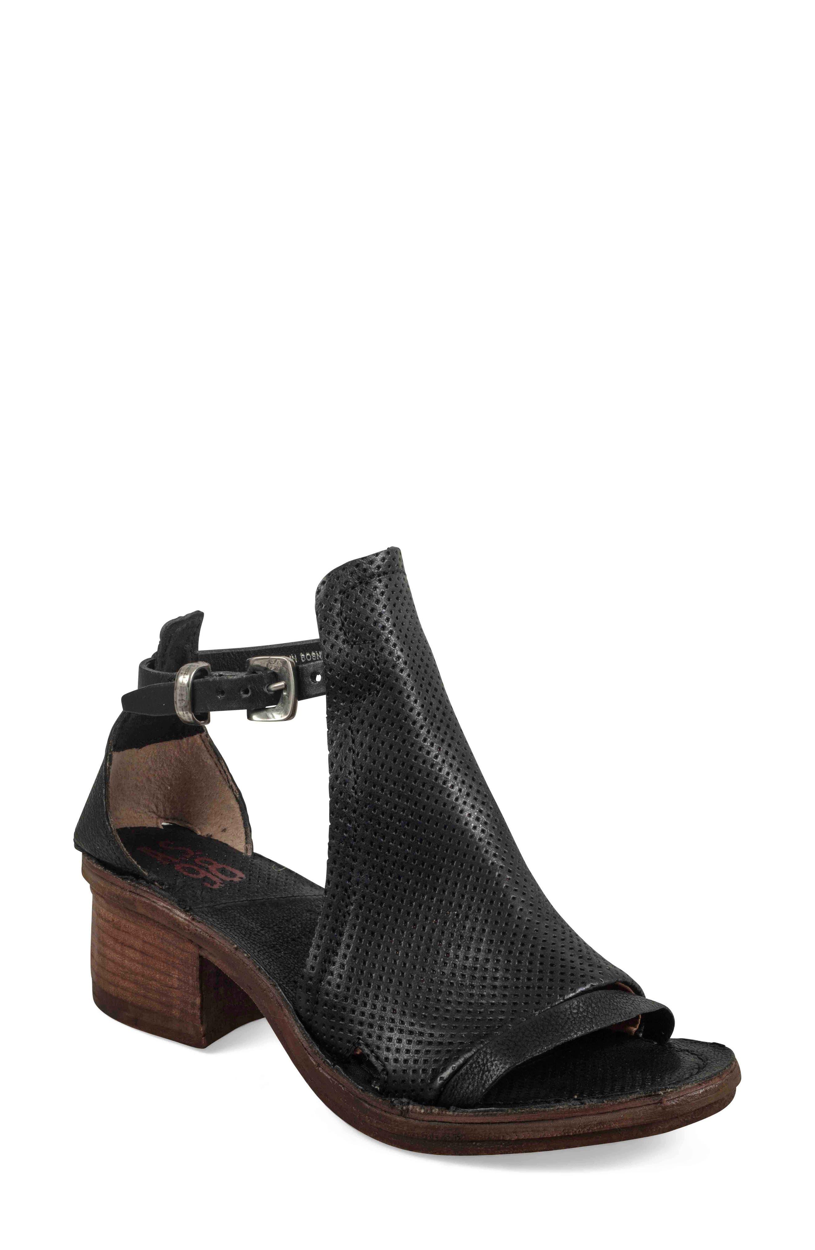 85682ecd4e116 Women s Sandals New Arrivals  Clothing