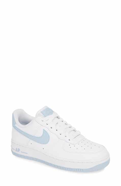competitive price 1d6e5 9c085 Nike Air Force 1 '07 Sneaker (Women)