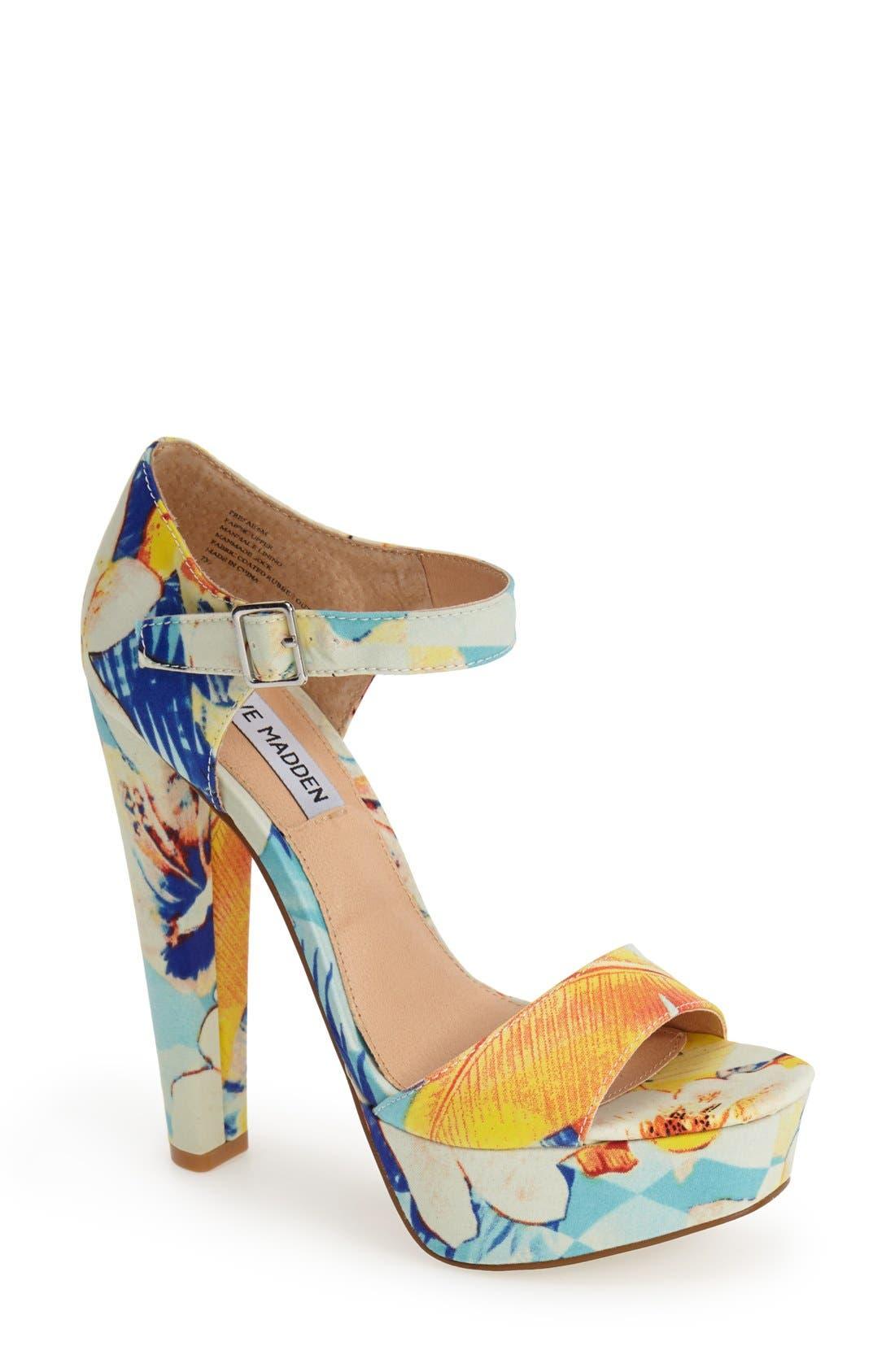 Alternate Image 1 Selected - Steve Madden 'Presae' Platform Sandal (Women)