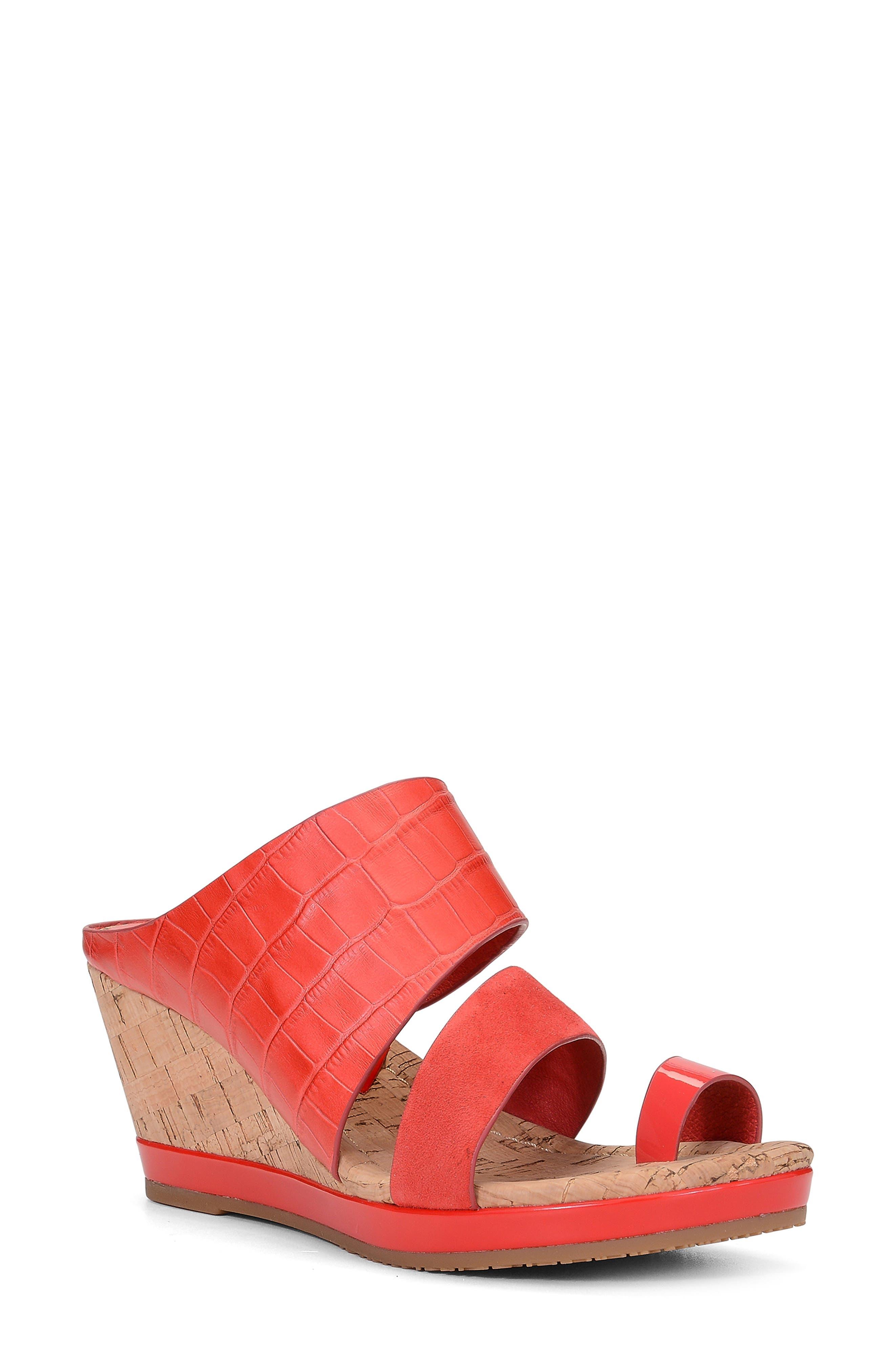 Women's Donald Pliner Sandals and Flip