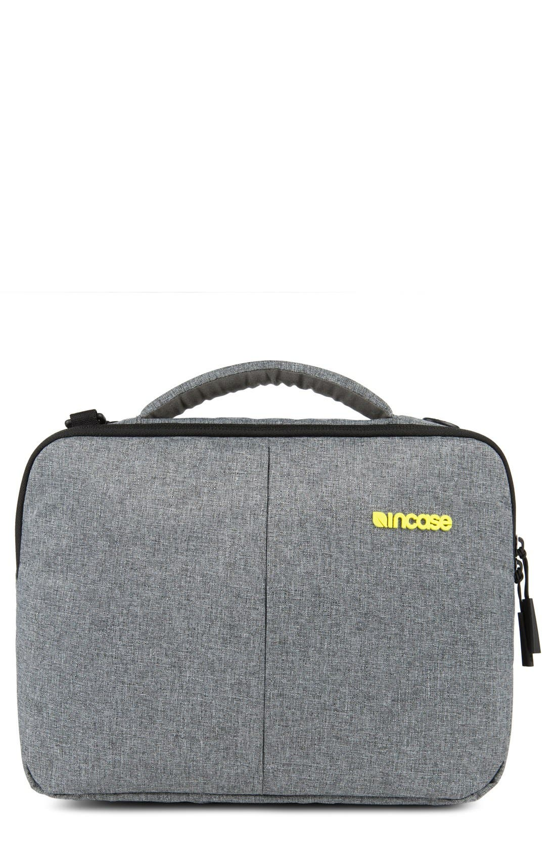 INCASE DESIGNS Reform - Tensaerlite<sup>™</sup> Laptop Briefcase