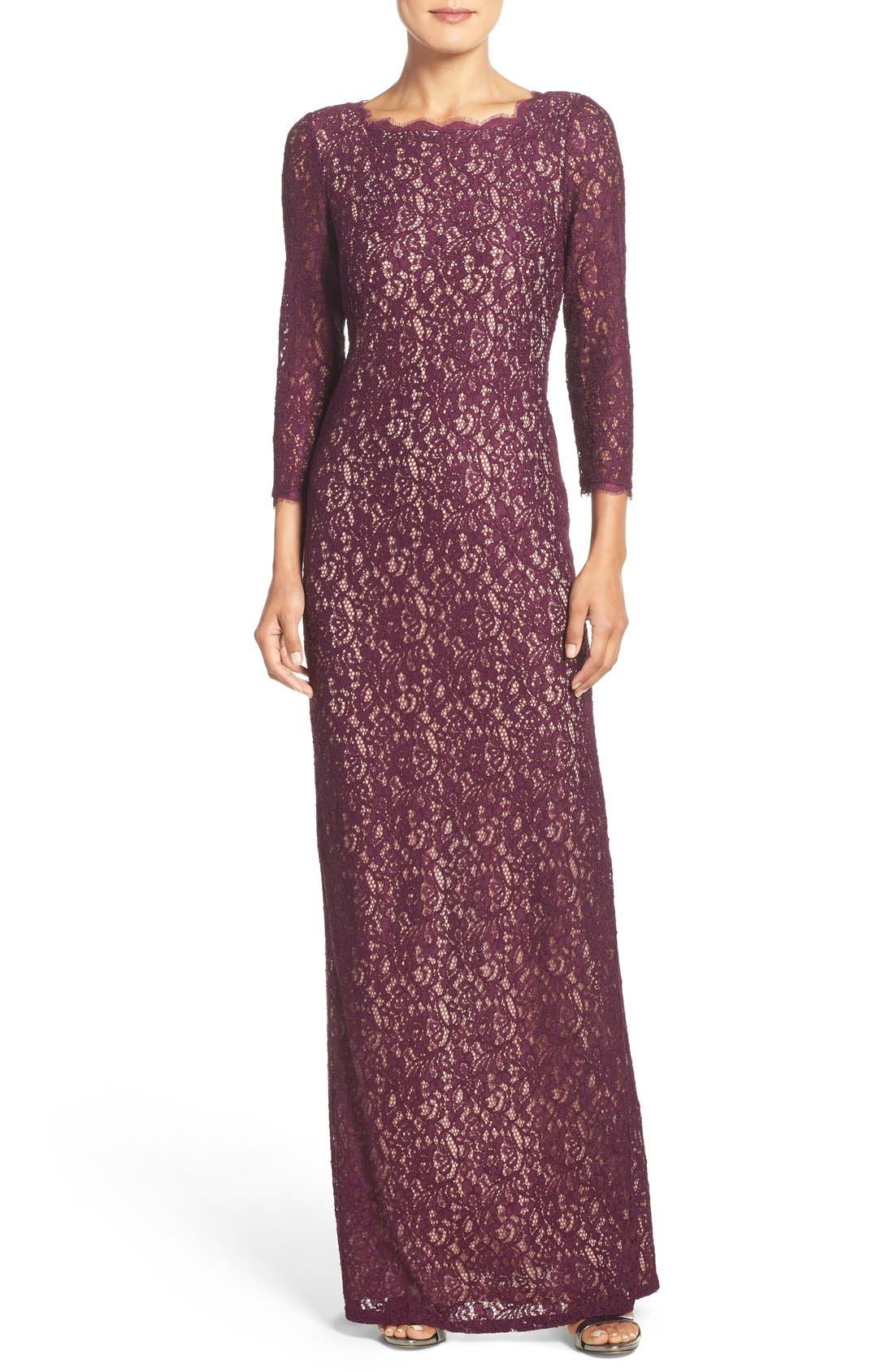 Main Image - Adrianna Papell Scalloped Lace Gown (Regular & Petite)
