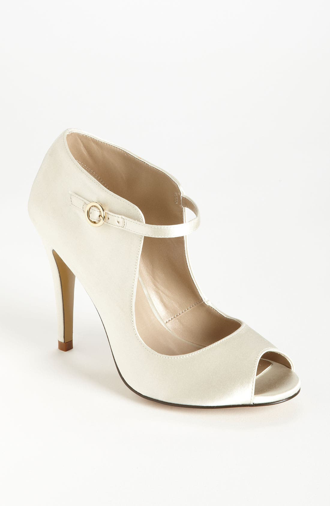 Alternate Image 1 Selected - BP. 'Charmed' Pump