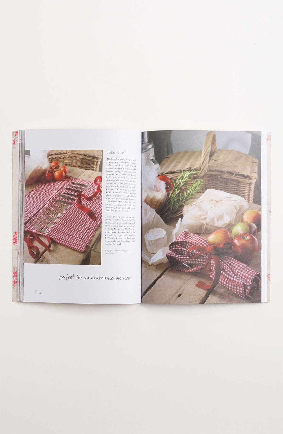 Alternate Image 3  - 'Home-Made Vintage' Sewing Book