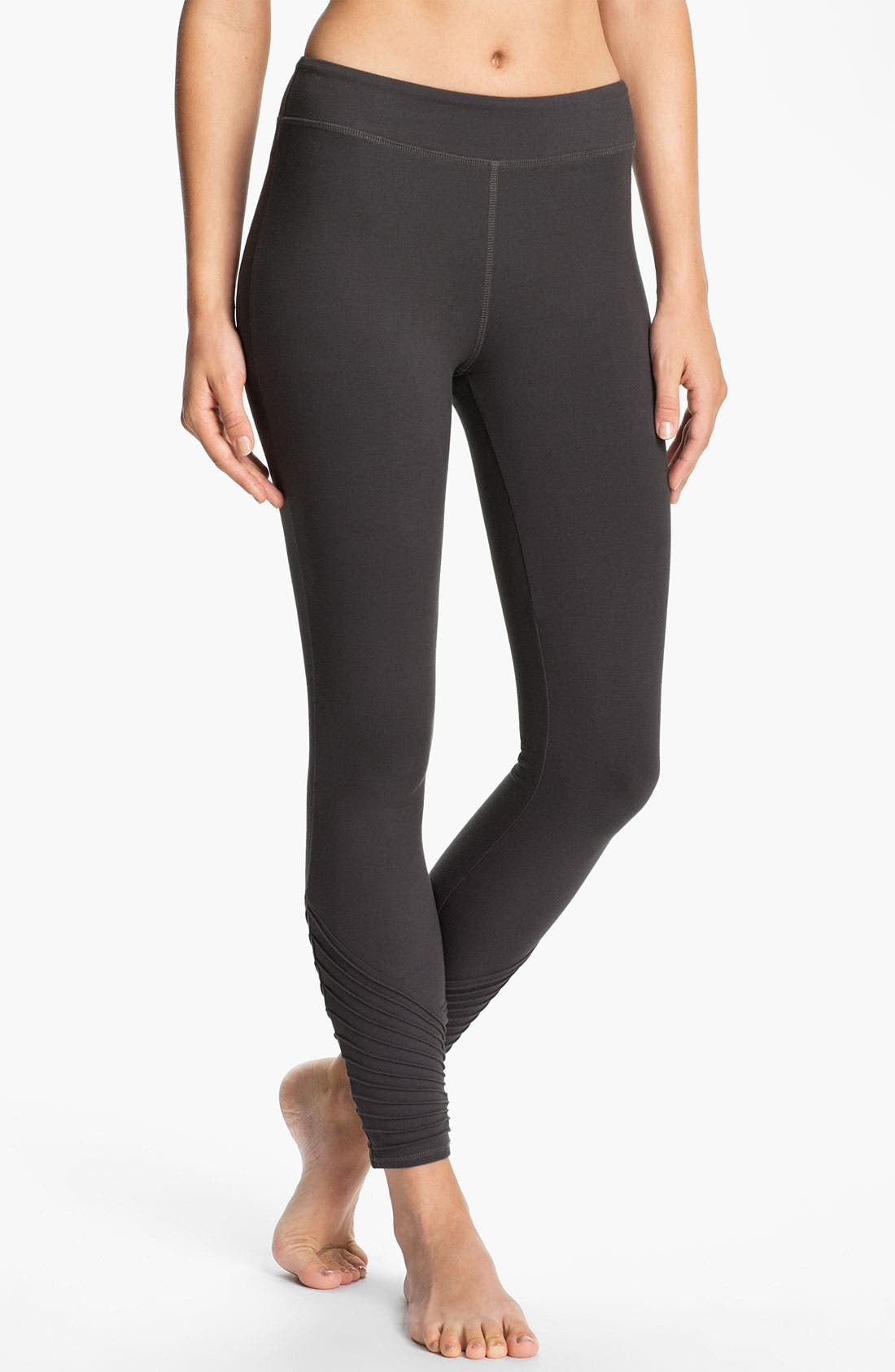 Main Image - Alo Stitch Detail Leggings