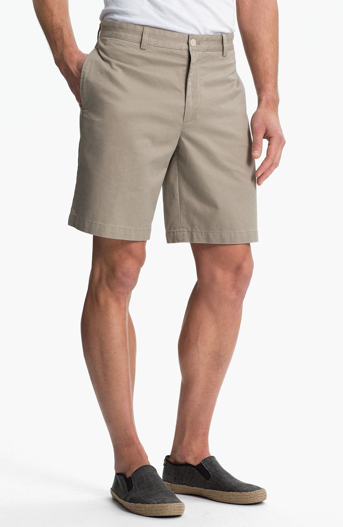 Alternate Image 1 Selected - Vineyard Vines 'Club' Flat Front Twill Shorts