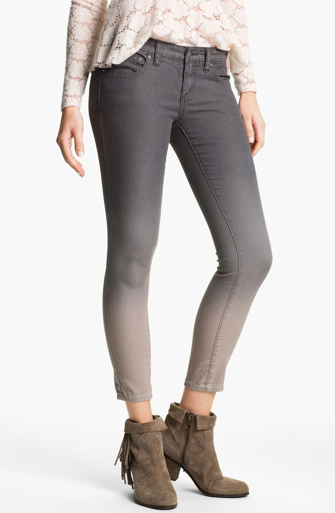 Main Image - Free People Ombré Skinny Jeans (Graphite)