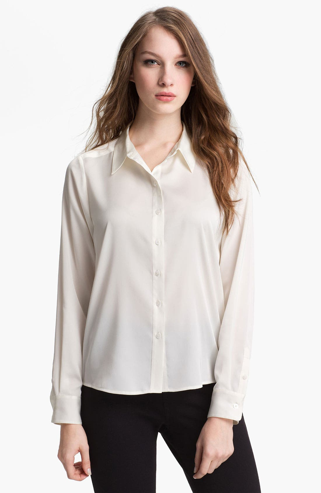 Alternate Image 1 Selected - Vince Camuto 'Essential' Blouse (Petite)