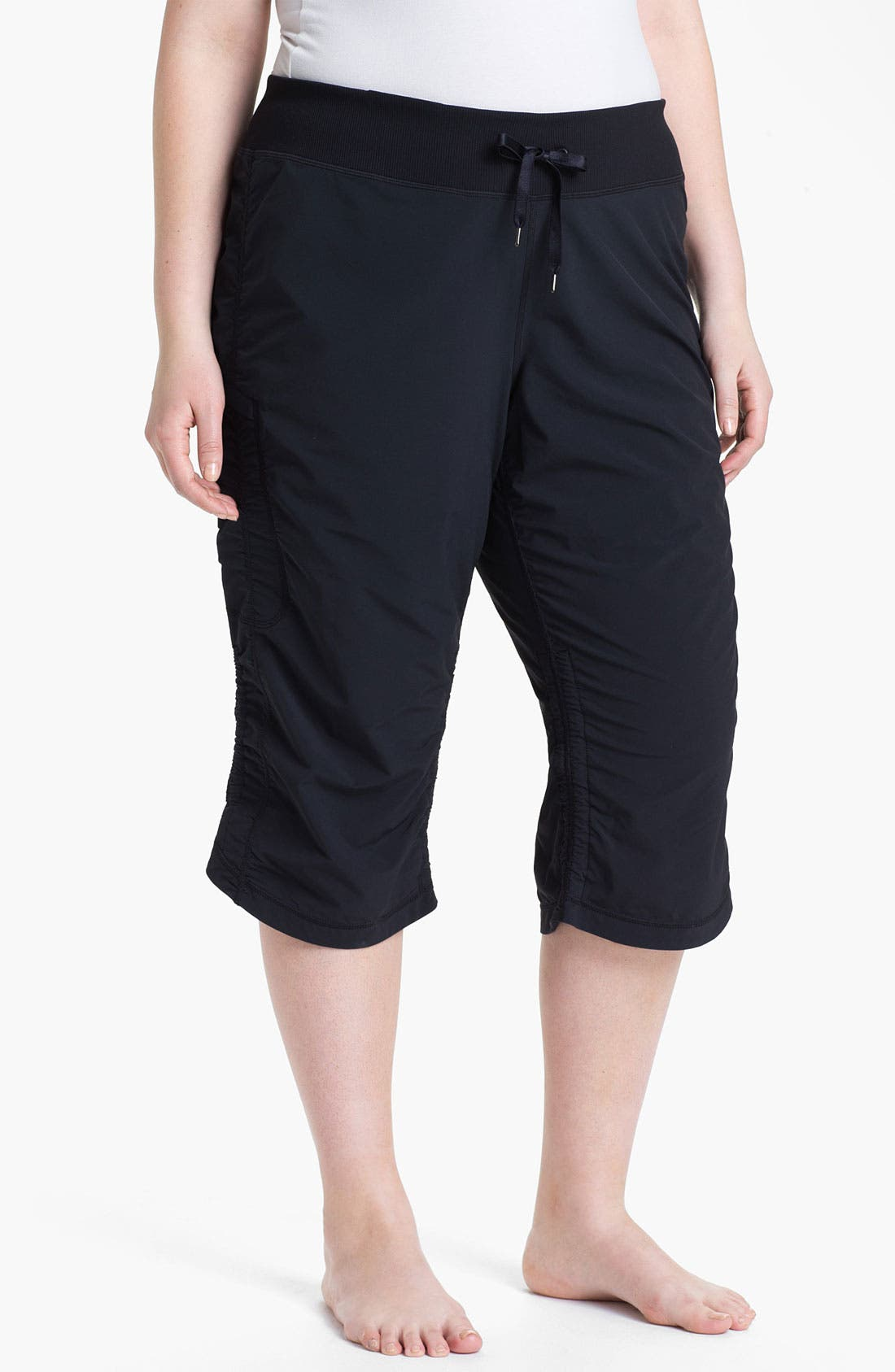 Alternate Image 1 Selected - Zella 'Move It' Capris (Plus Size)
