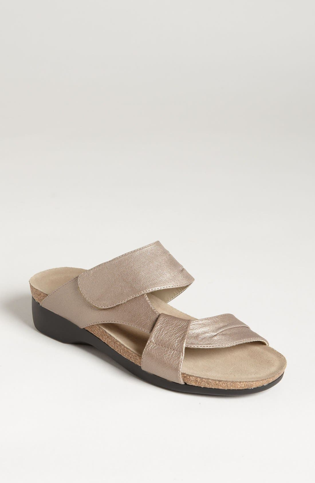 Alternate Image 1 Selected - Munro 'Libra' Sandal