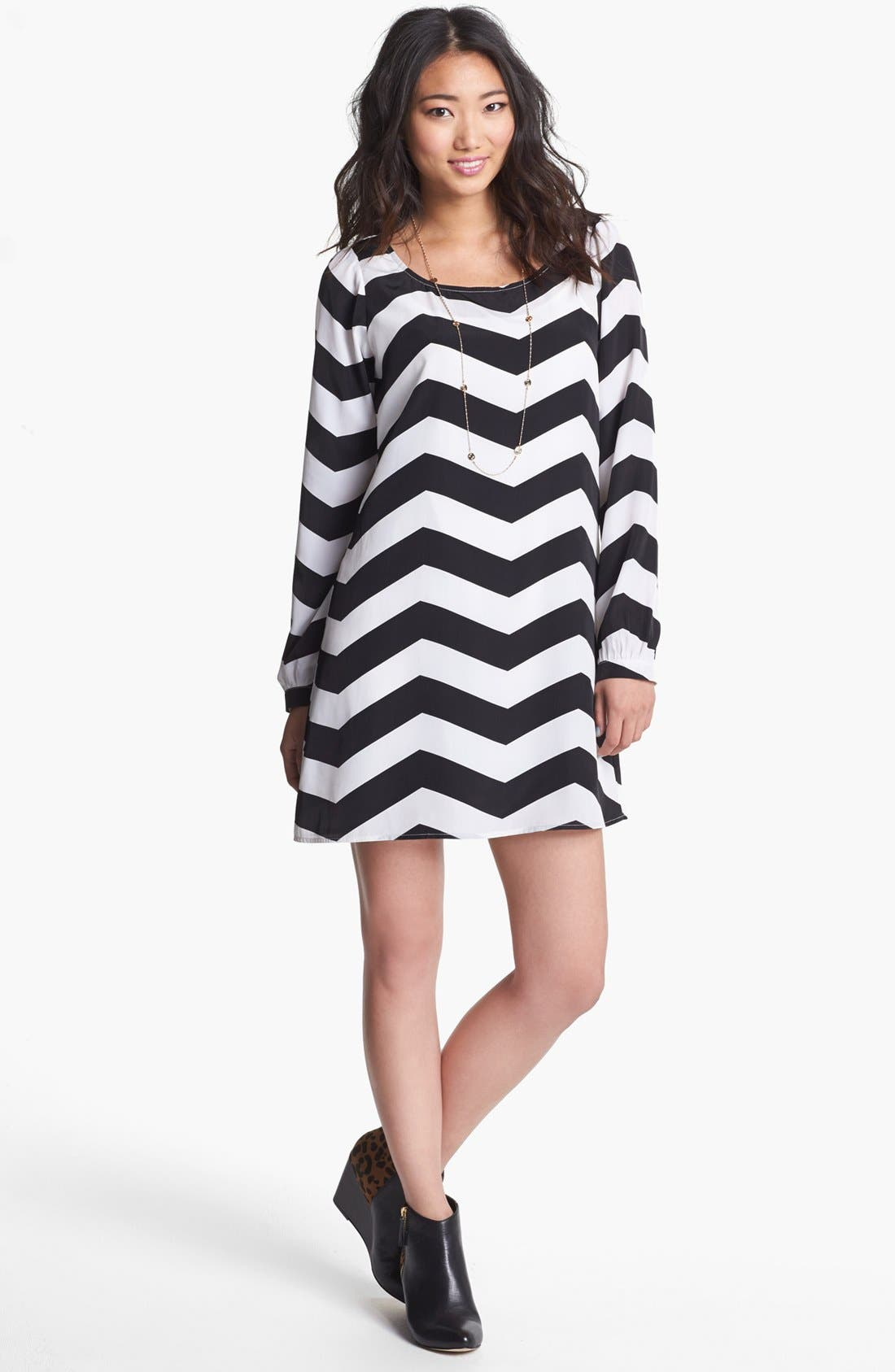 Main Image - Stoosh Chevron Print Trapeze Dress (Juniors)