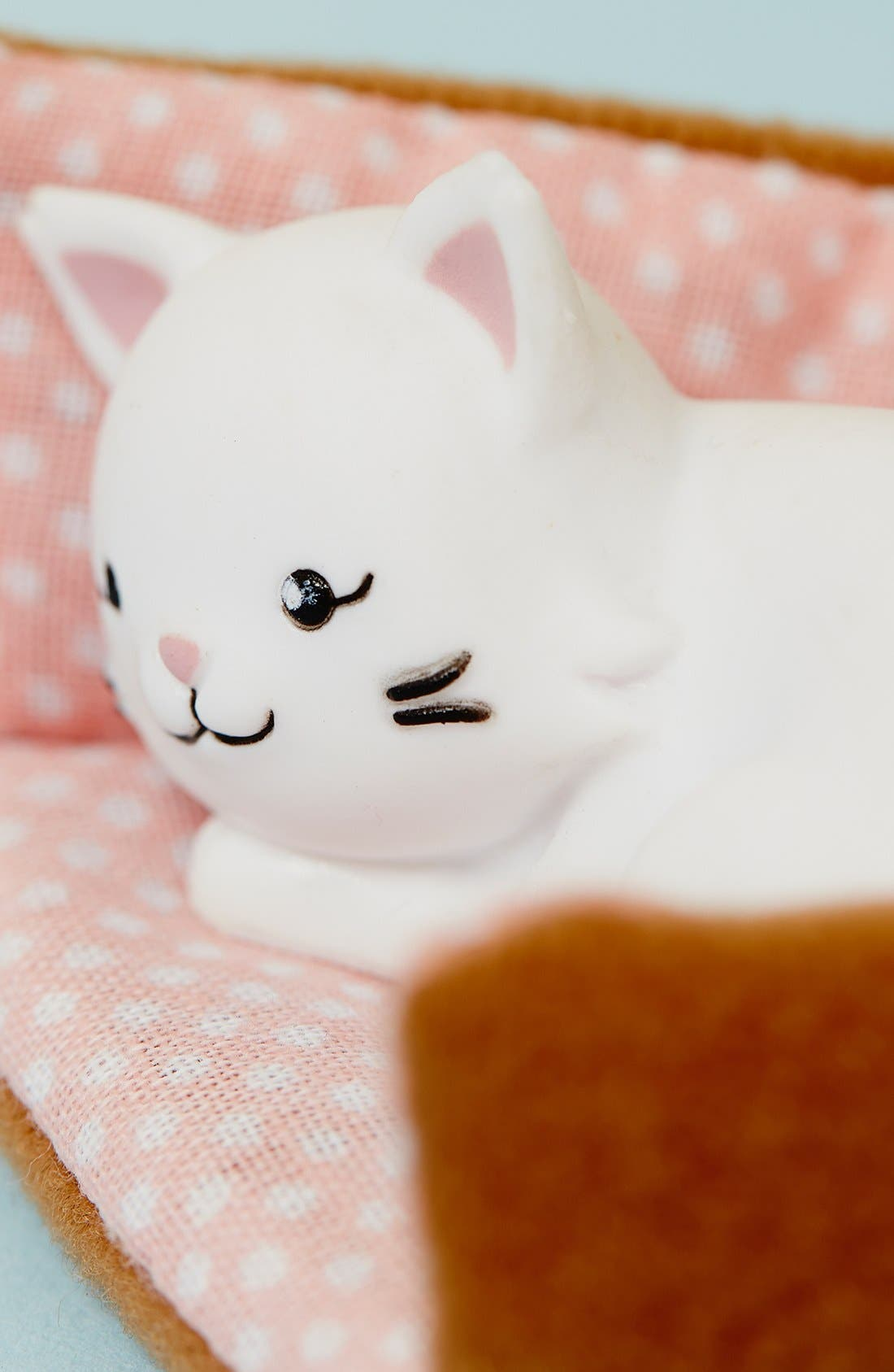 Alternate Image 3  - Schylling 'Pandora the Persian Cat' Lottie™ Doll Accessory Set