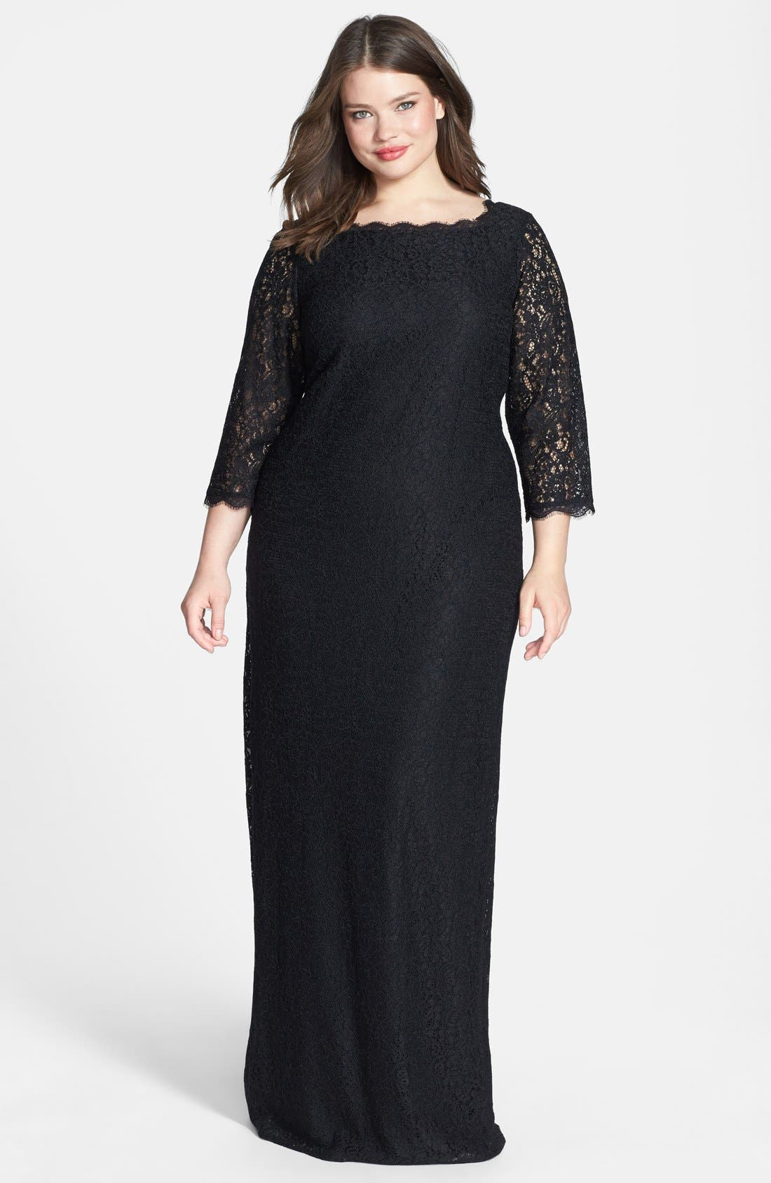 Main Image - Adrianna Papell Scalloped Lace Gown (Plus Size)