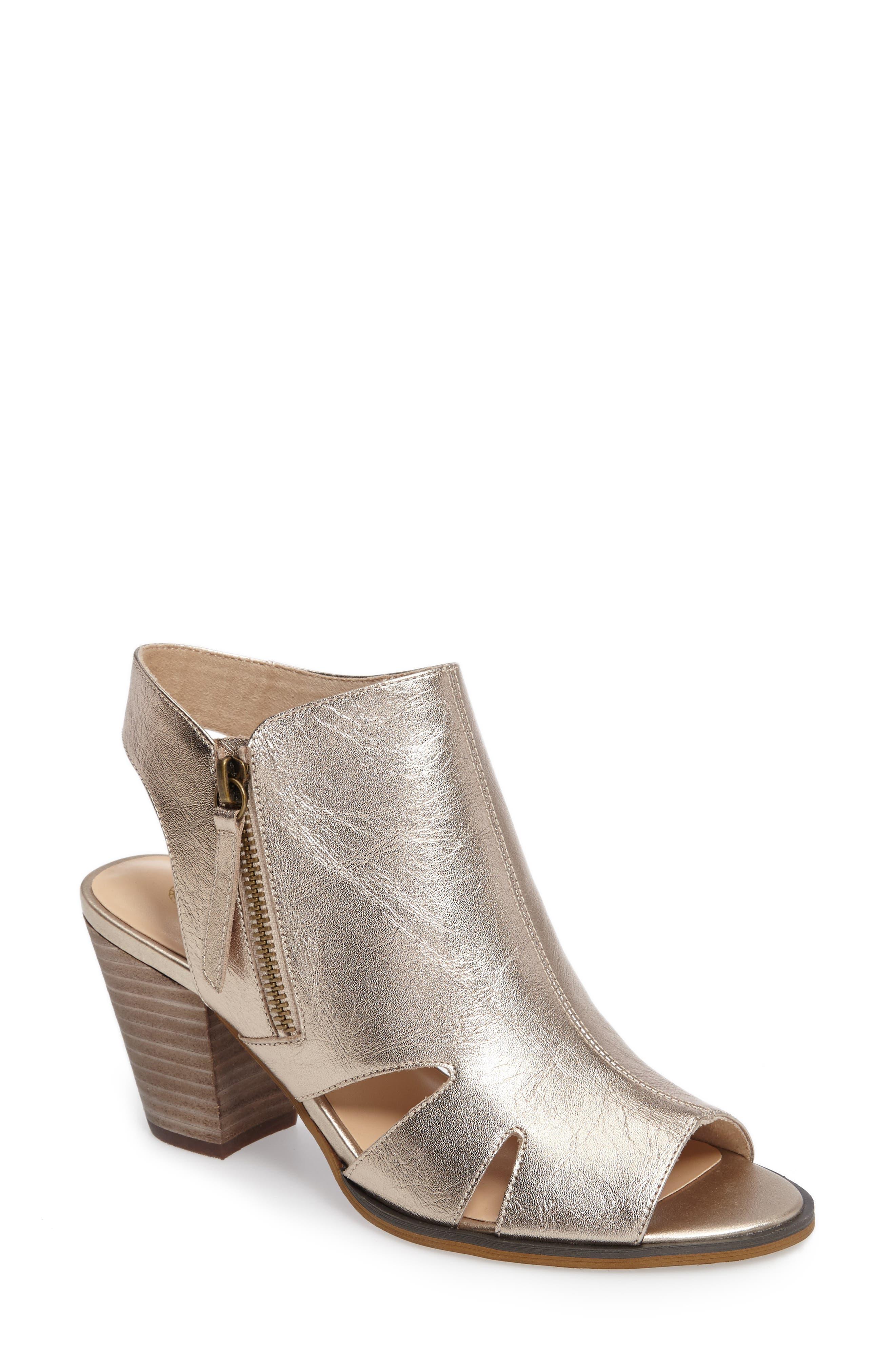Alternate Image 1 Selected - Bella Vita Kimmy Cutout Sandal (Women)