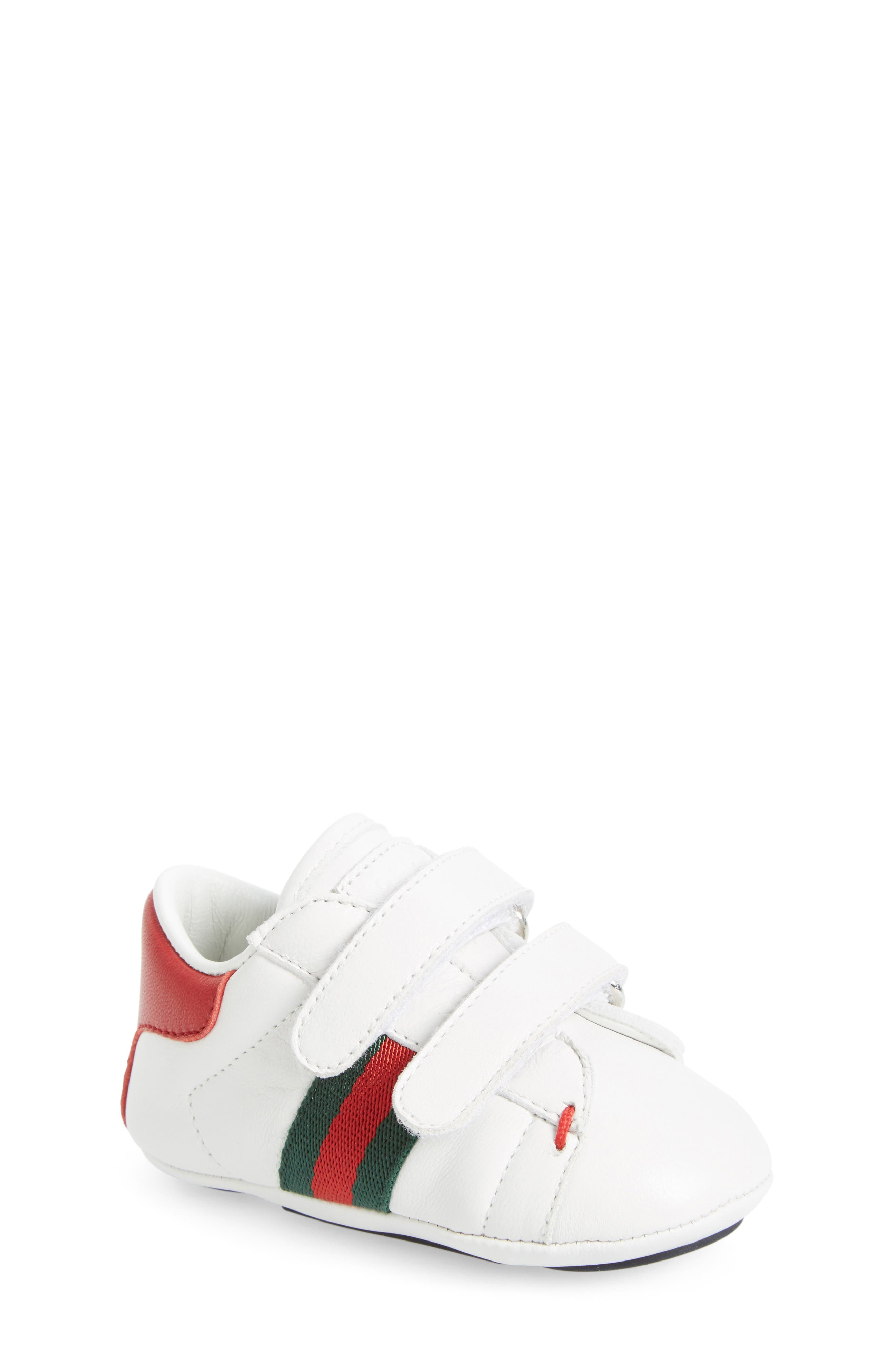 Alternate Image 1 Selected - Gucci 'Ace' Crib Shoe (Baby)