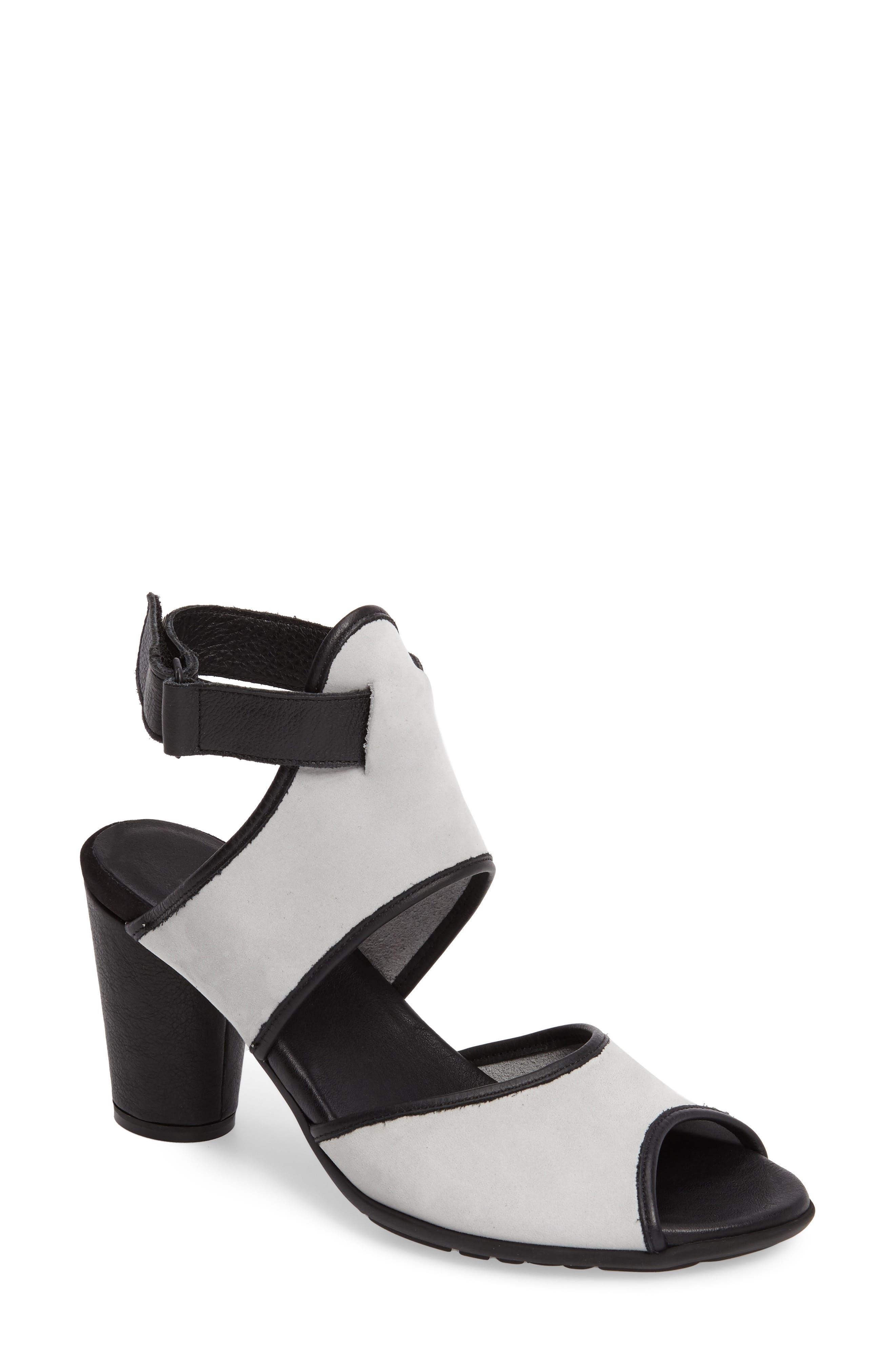 ARCHE Leiga Sandal