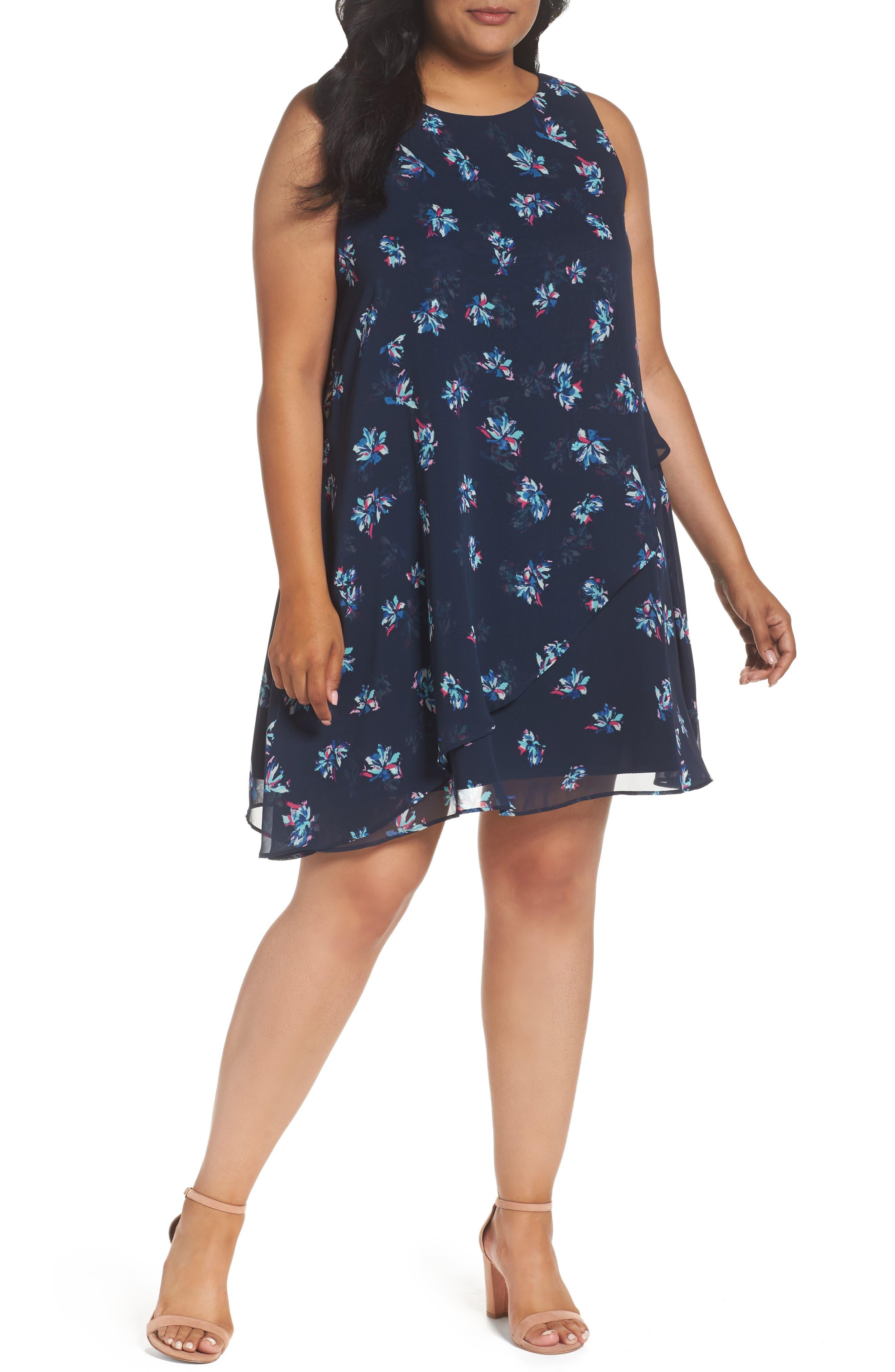 Taylor Dresses Tossed Floral Shift Dress
