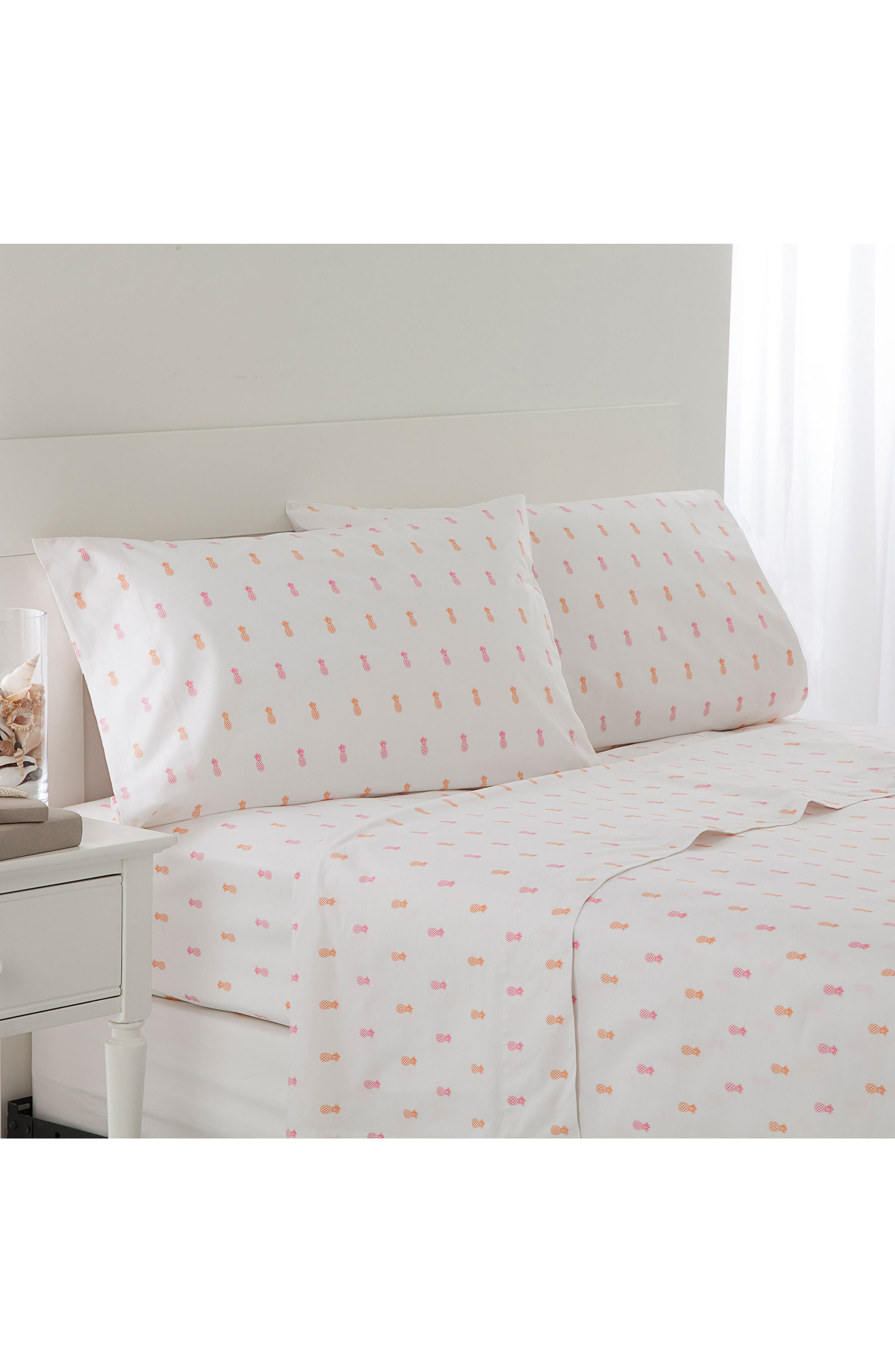 Main Image - Southern Tide Pineapple Sheet Set