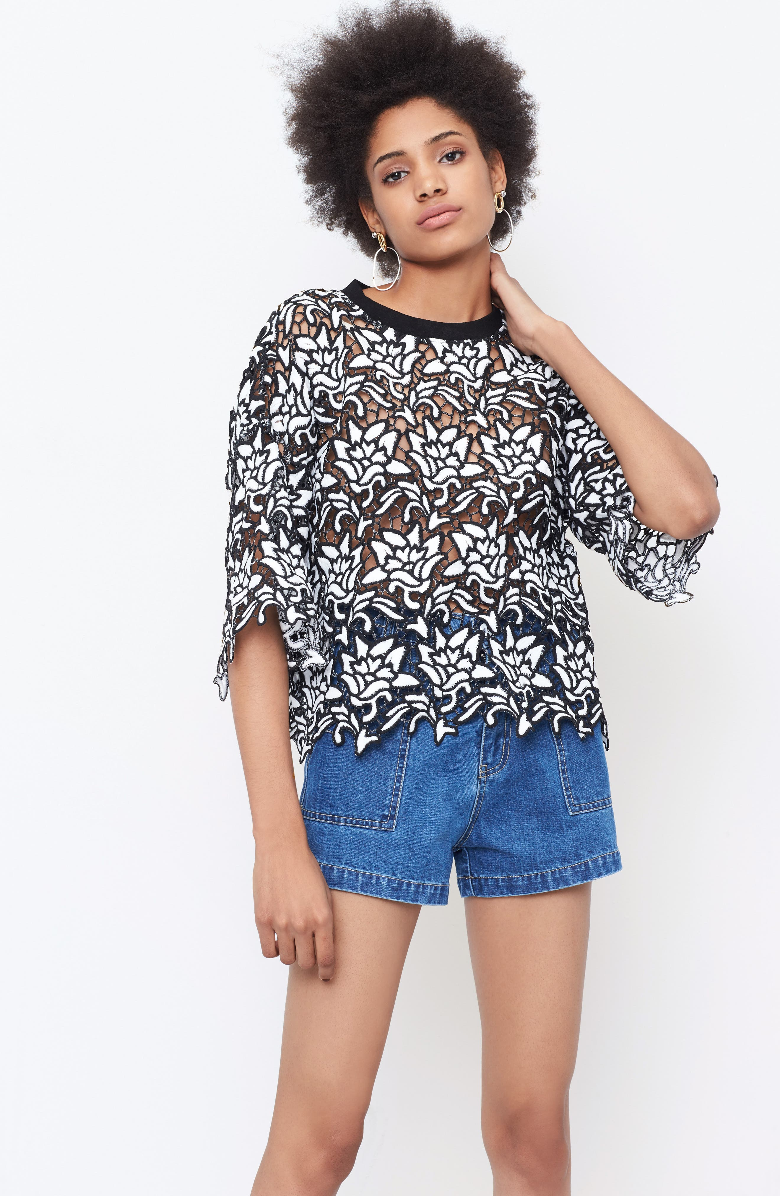 Alternate Image 3  - MOON RIVER Lace Boxy Top