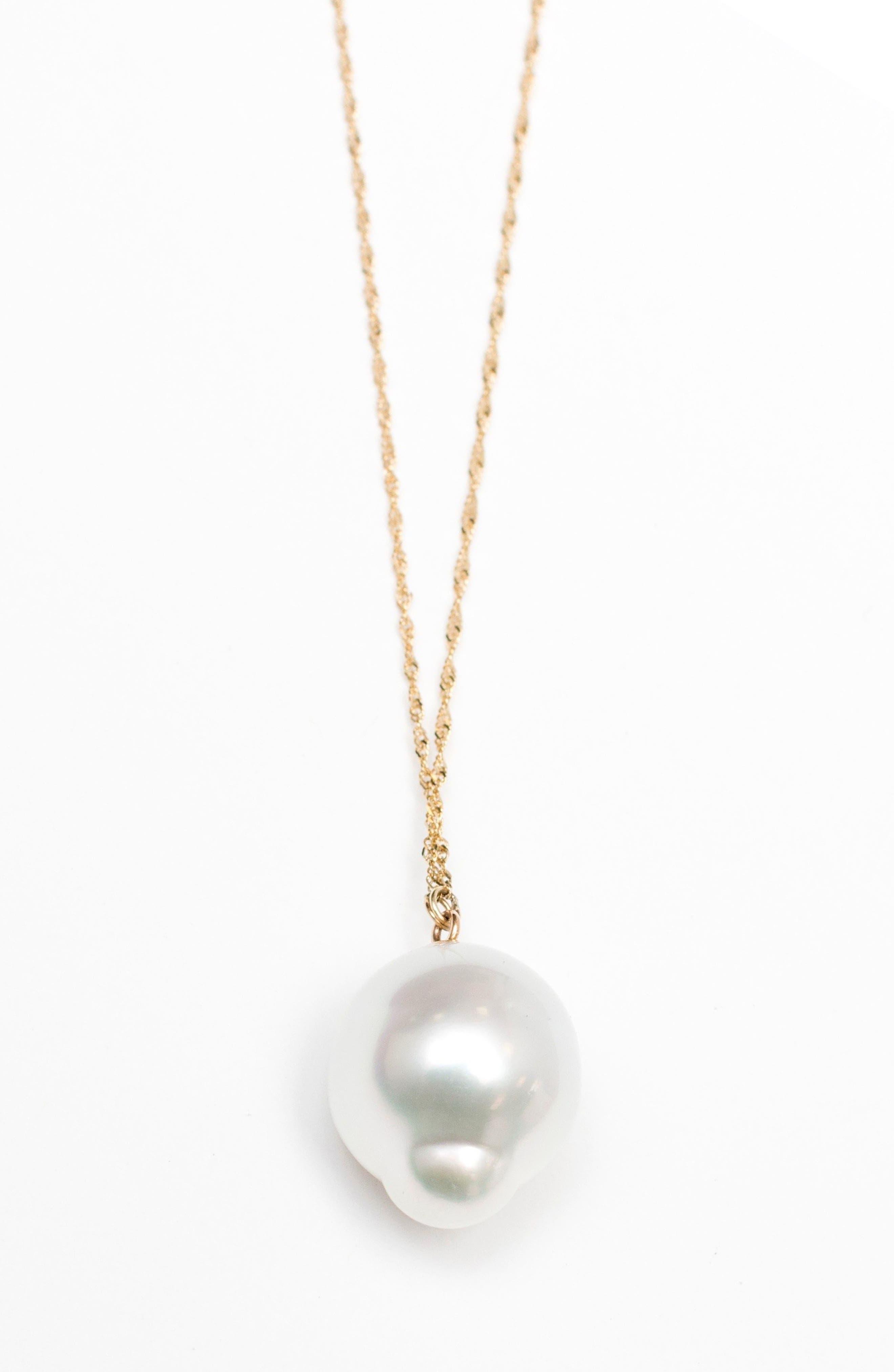 Poppy Finch Pearl Pendant Necklace