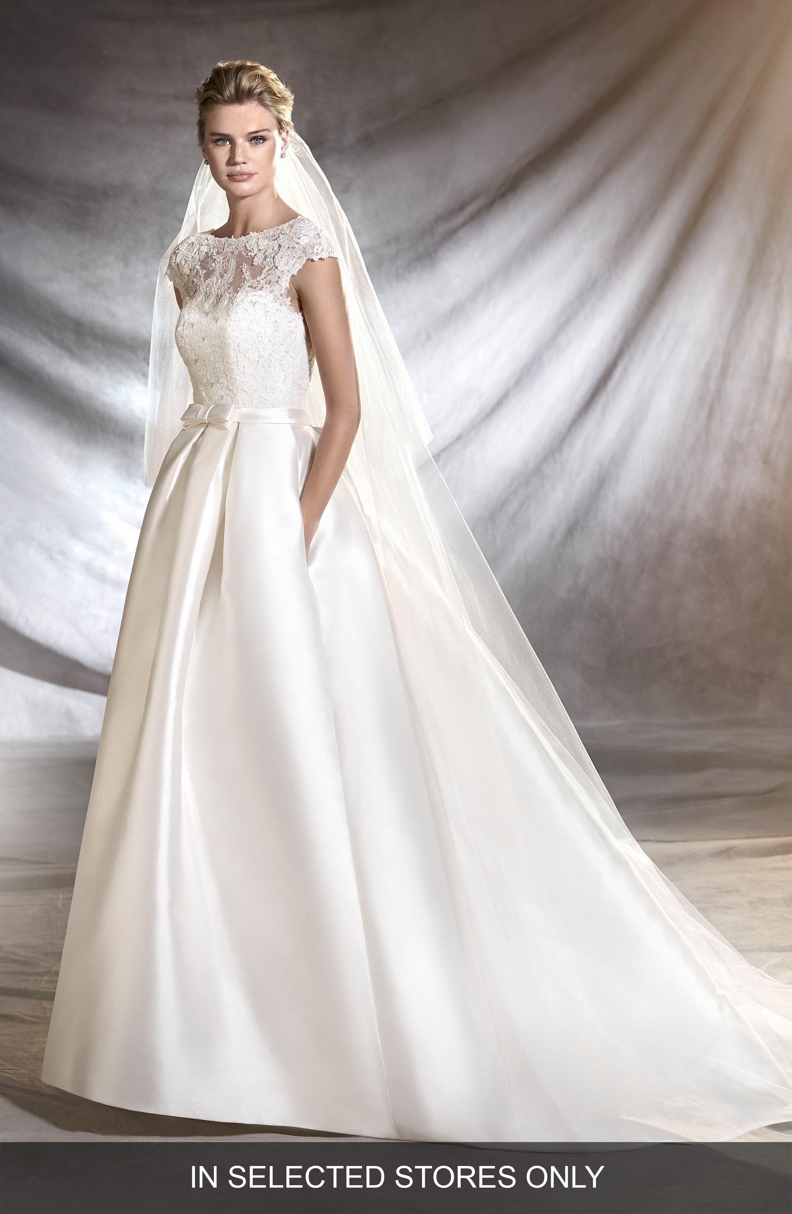 Osasun Lace Bodice Ballgown,                         Main,                         color, Off White