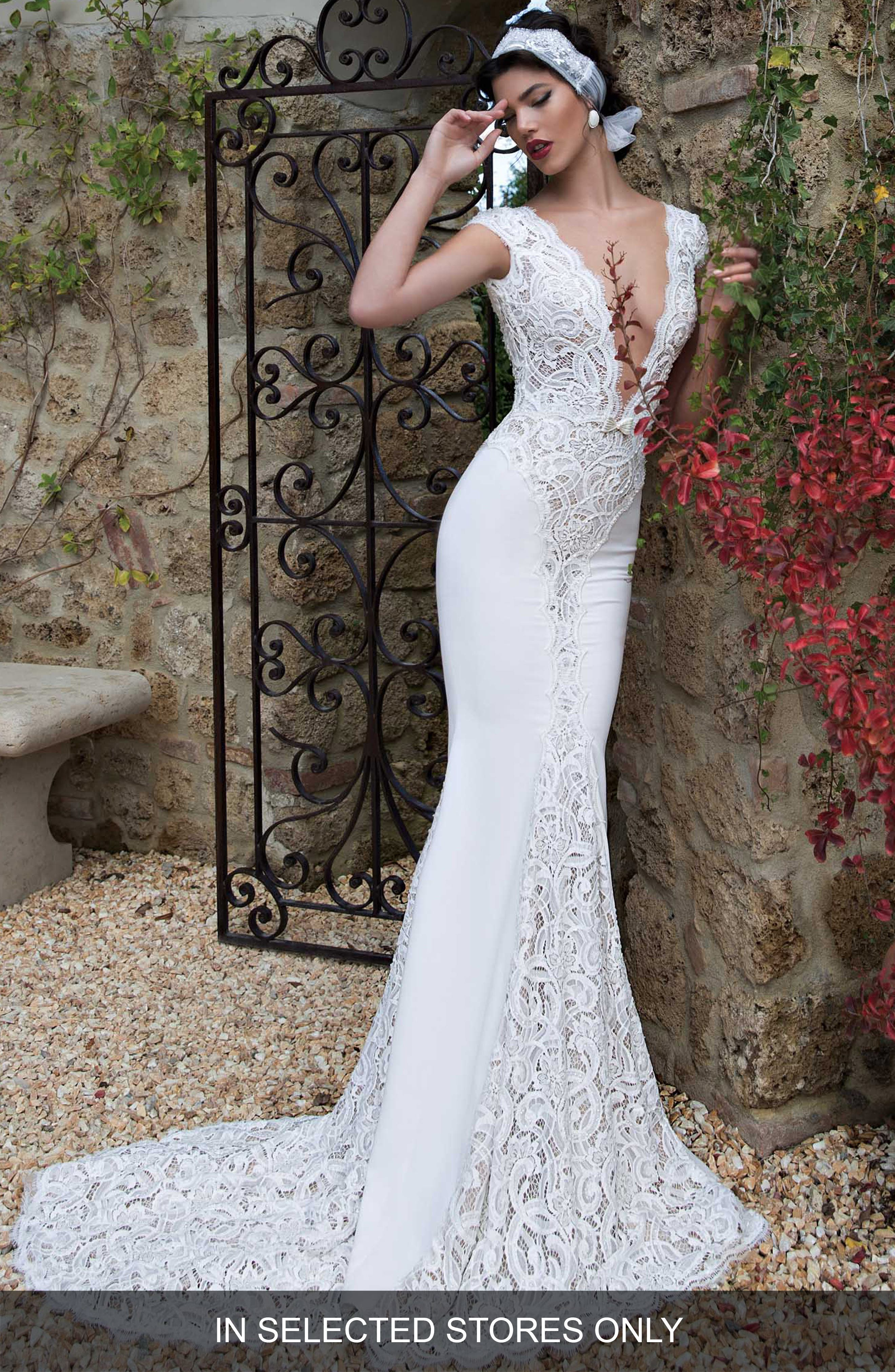 Berta Plunging V-Neck Cap Sleeve Lace & Tulle Dress