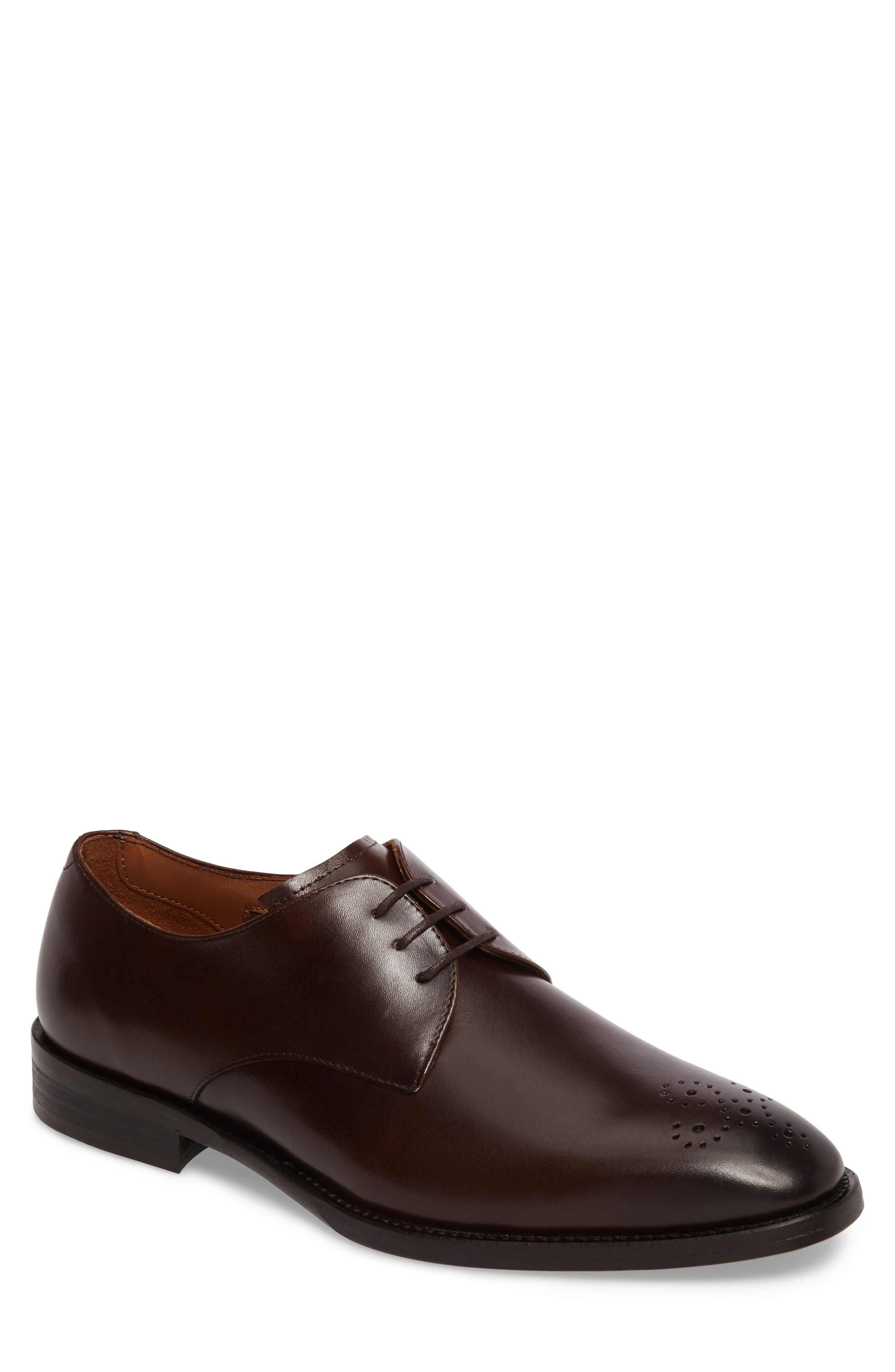 Vince Camuto Haltter Medallion Toe Derby (Men)