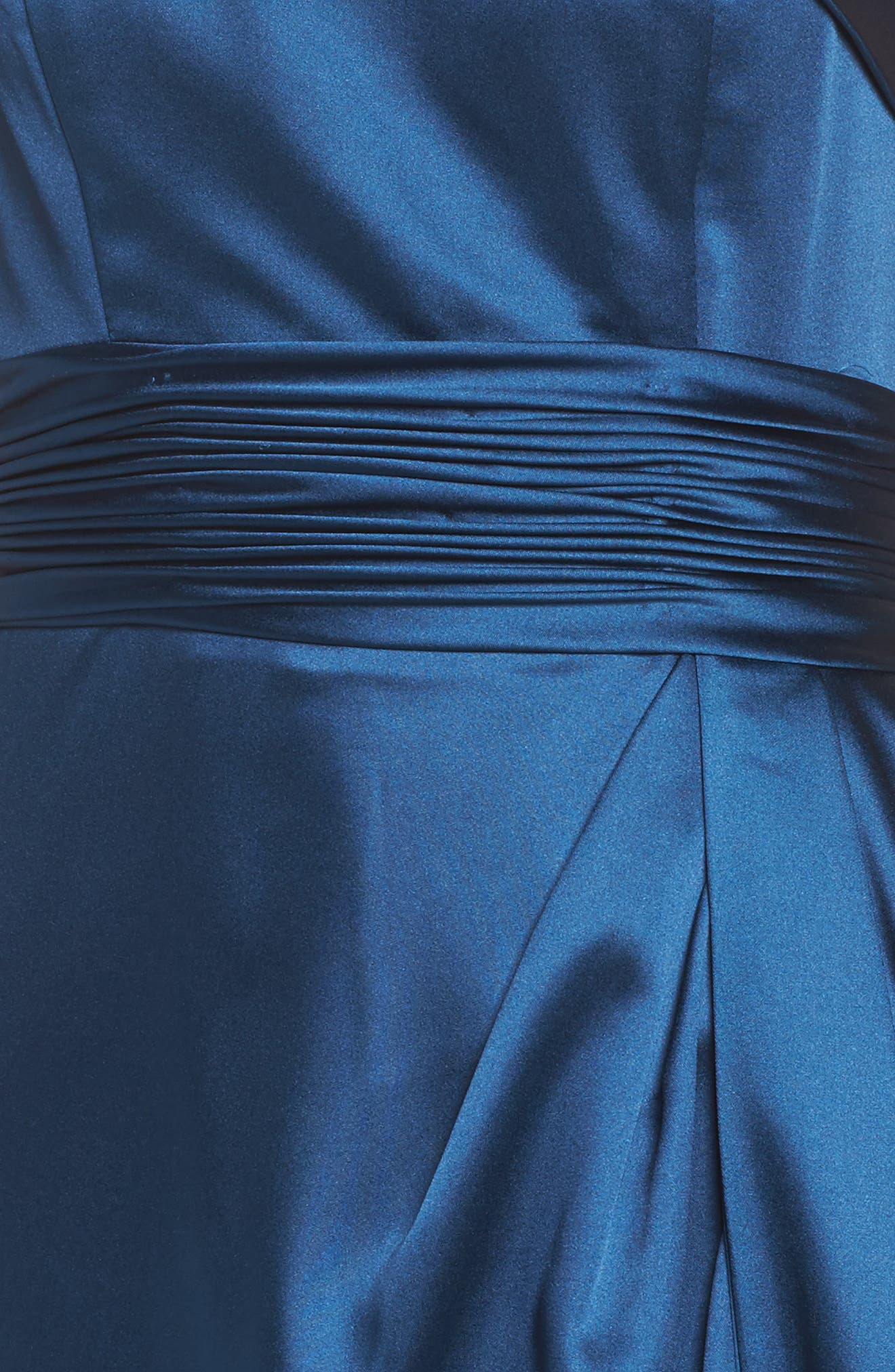 Alternate Image 5  - Mac Duggal Ruched Strapless Satin Gown