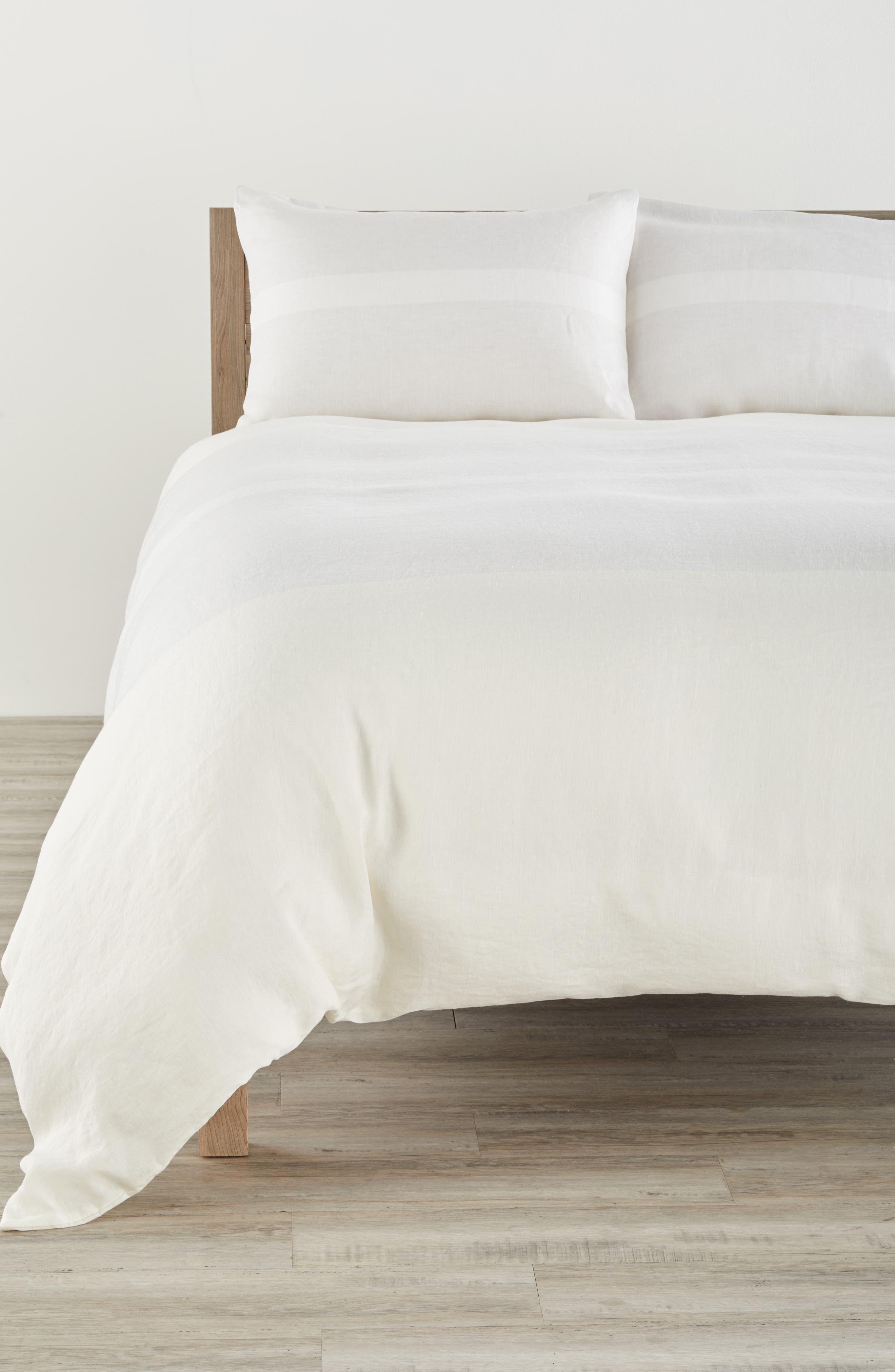 Calvin Klein Home Solo 580 Thread Count Linen Duvet Cover