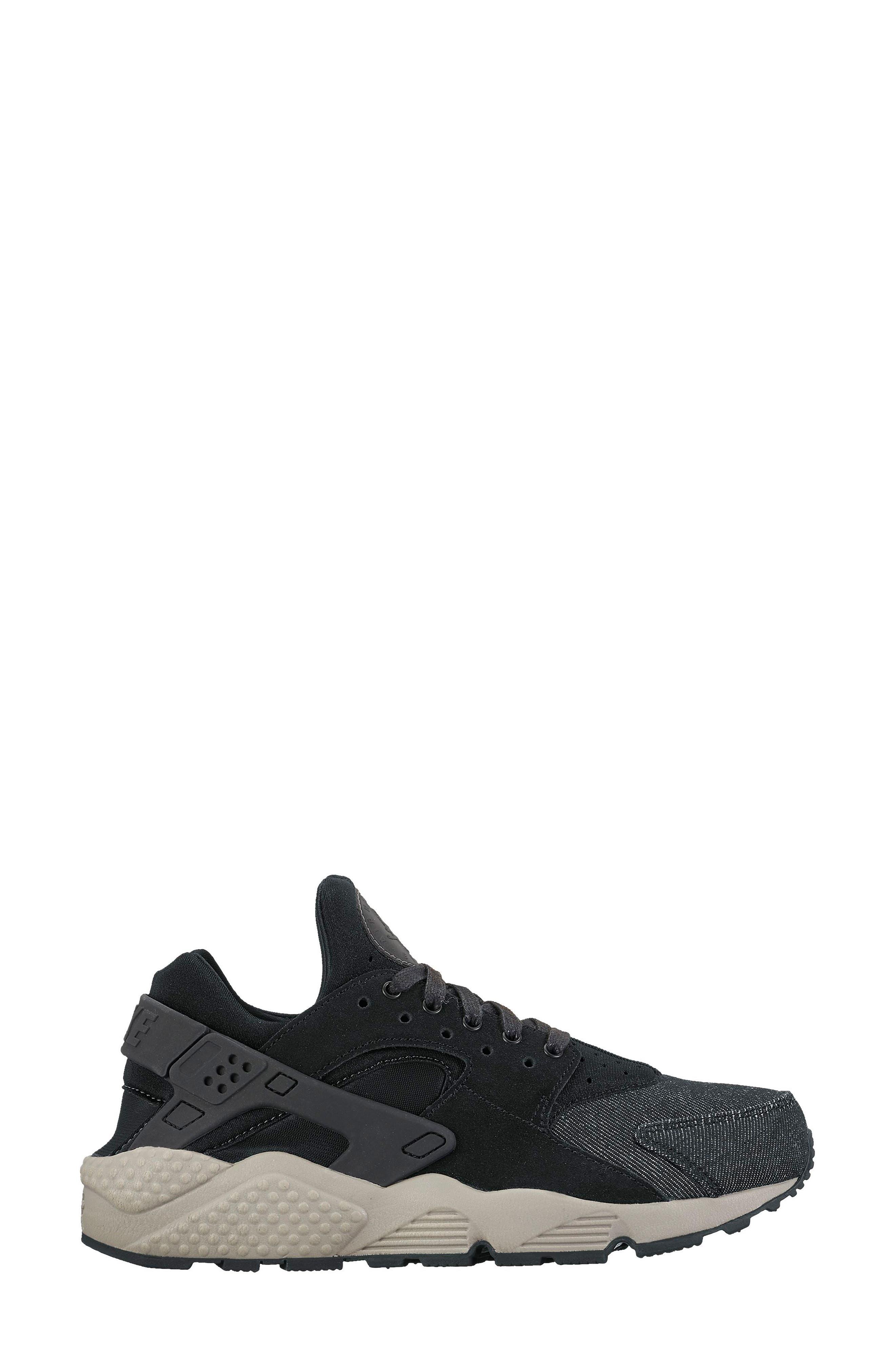 Air Huarache Run SE Sneaker,                         Main,                         color, Black/ Dark Grey/ Cobblestone