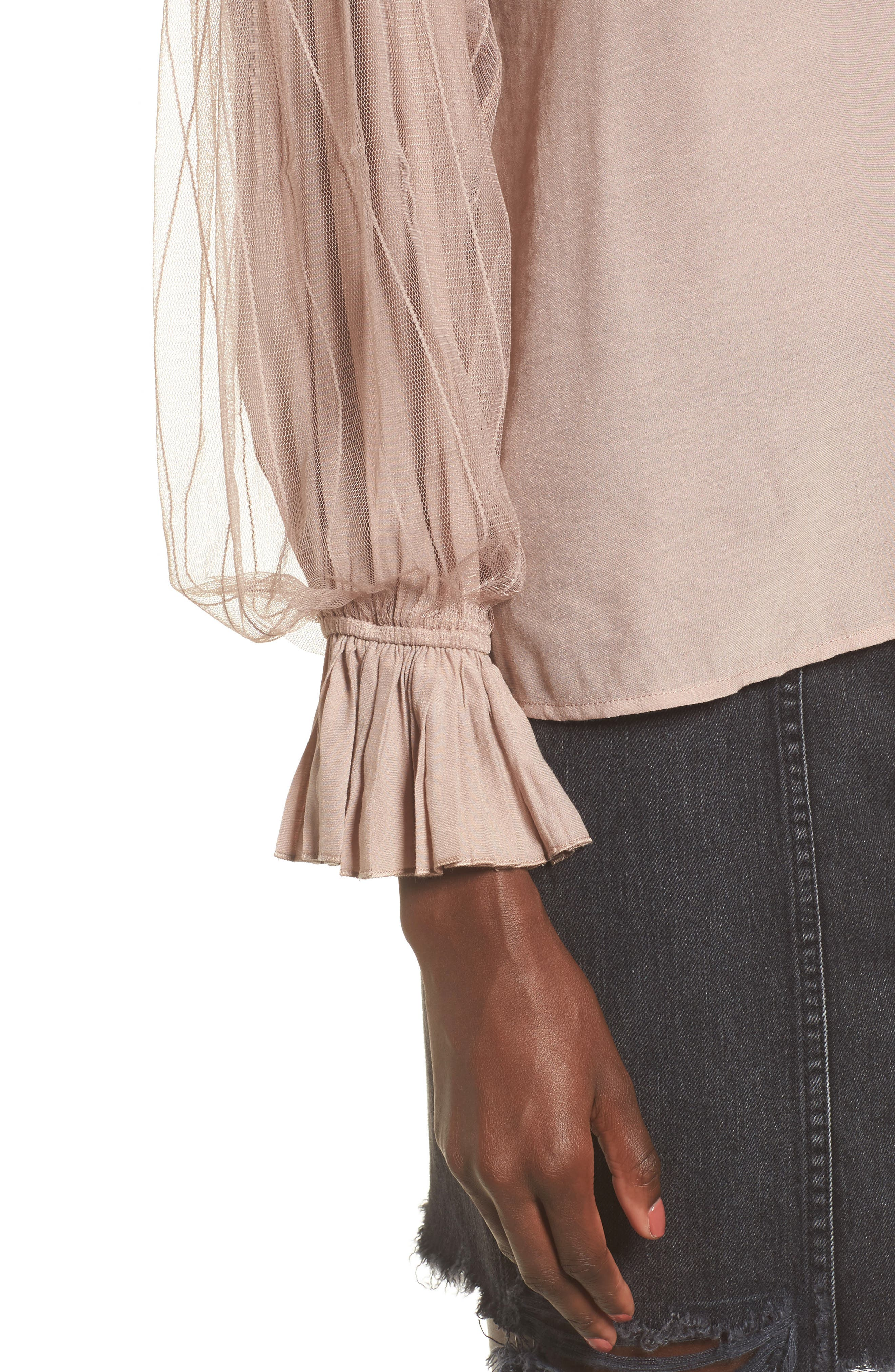 Alternate Image 4  - MOON RIVER Tulle Puff Sleeve Top