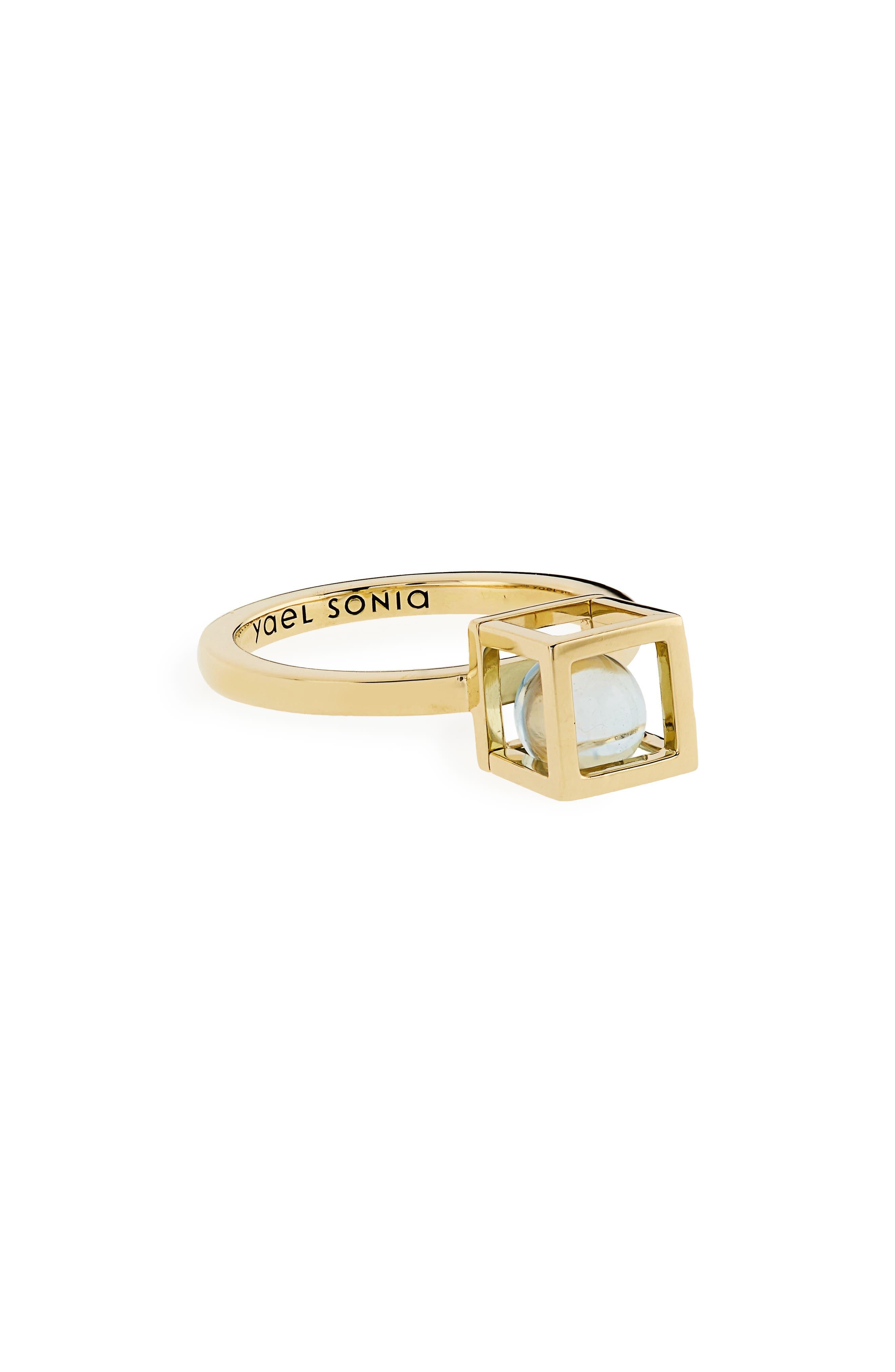 Yael Sonia Solo Blue Topaz Ring