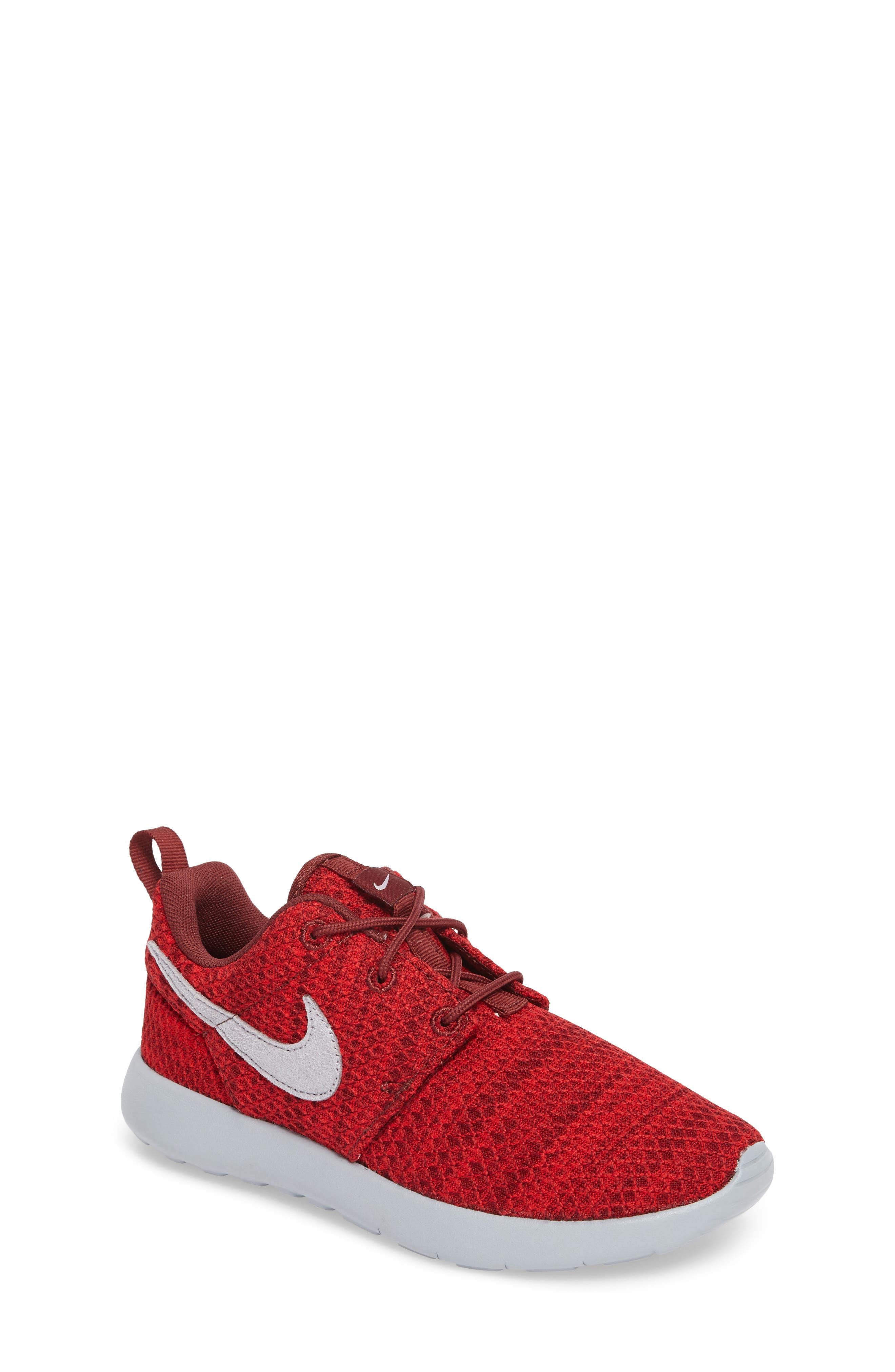Alternate Image 1 Selected - Nike Roshe Run Sneaker (Toddler & Little Kid)