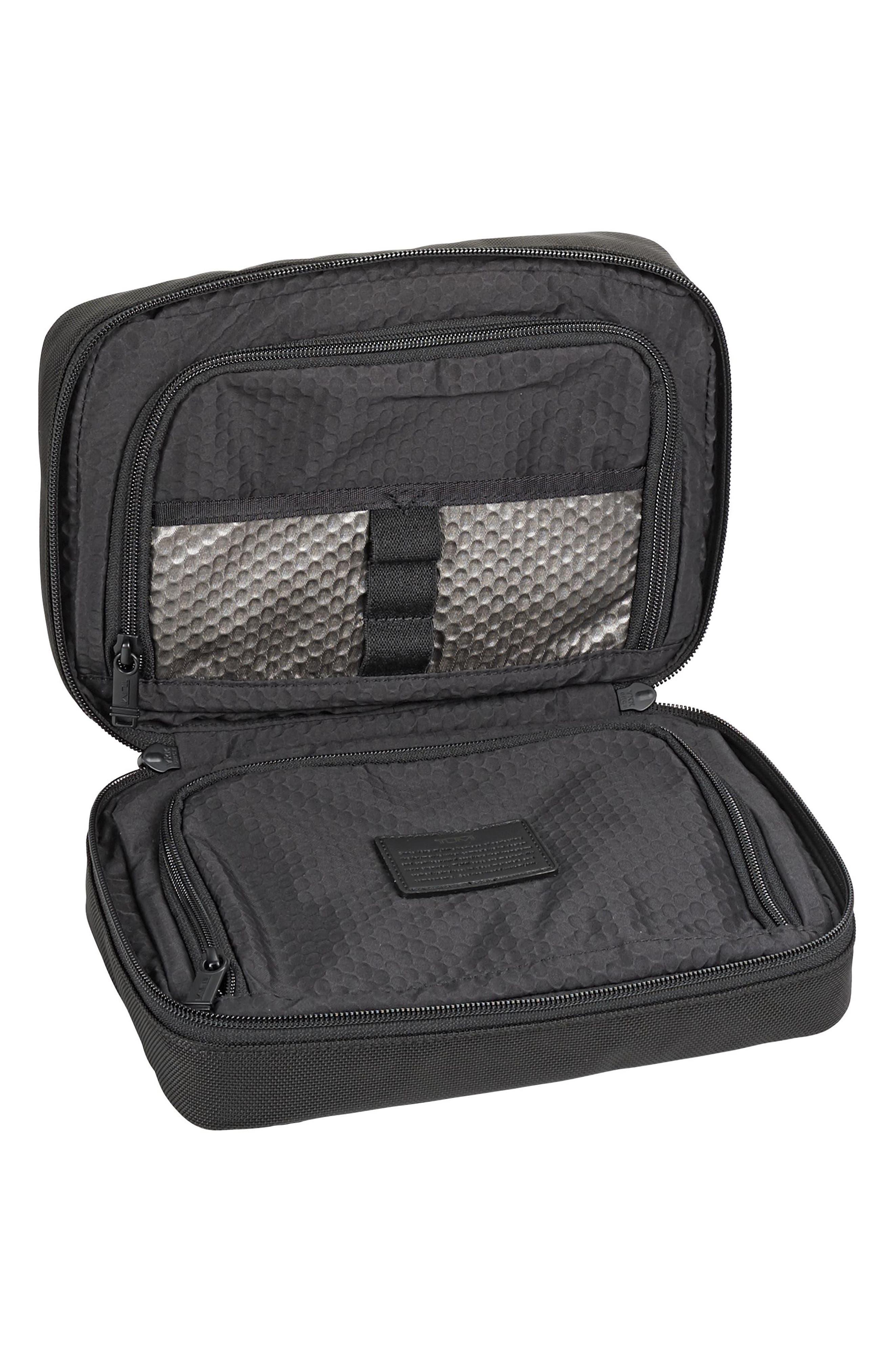 2ed1225e02e4 Men s Tumi Travel Kits