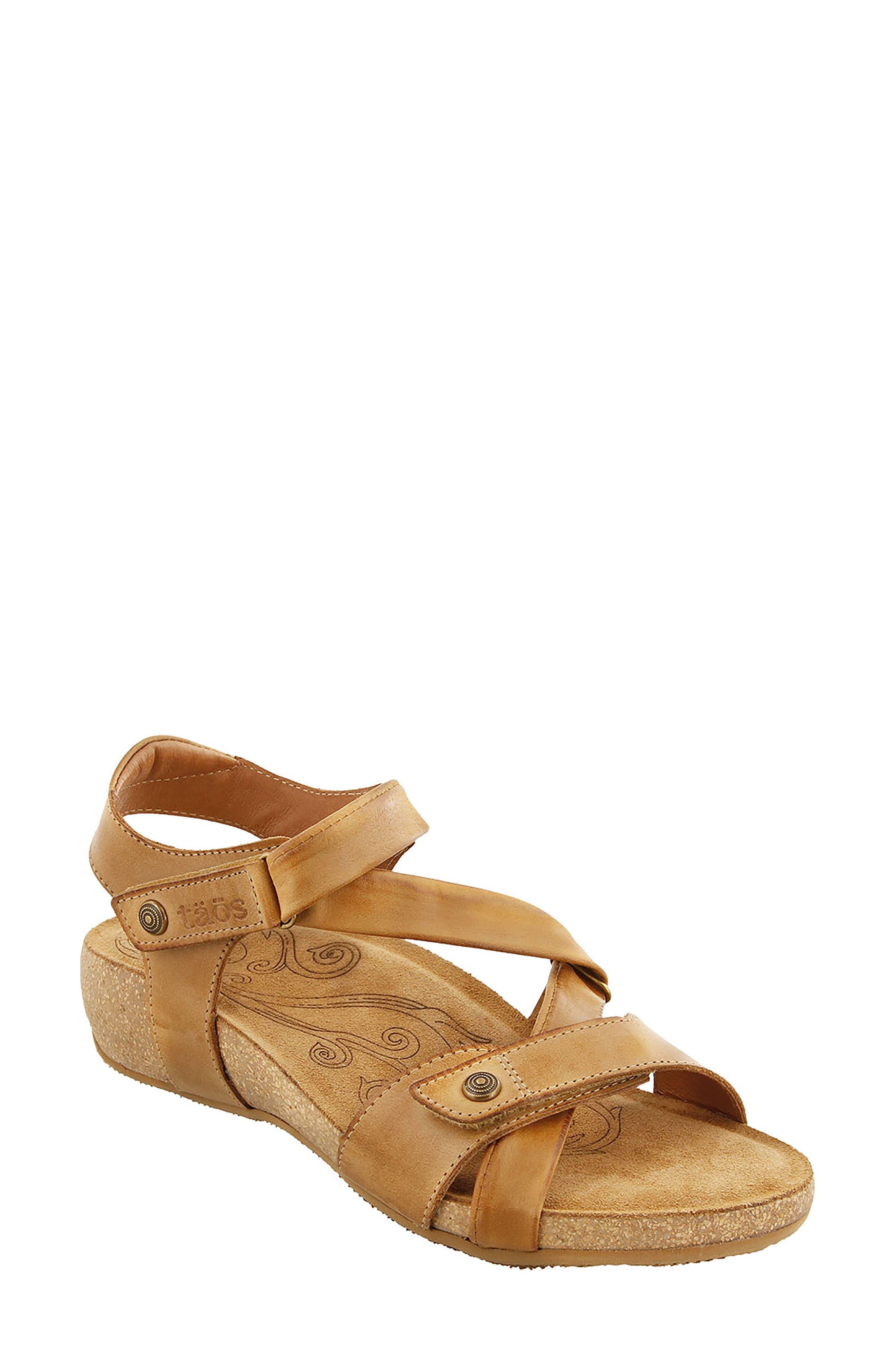Main Image - Taos Universe Sandal (Women)