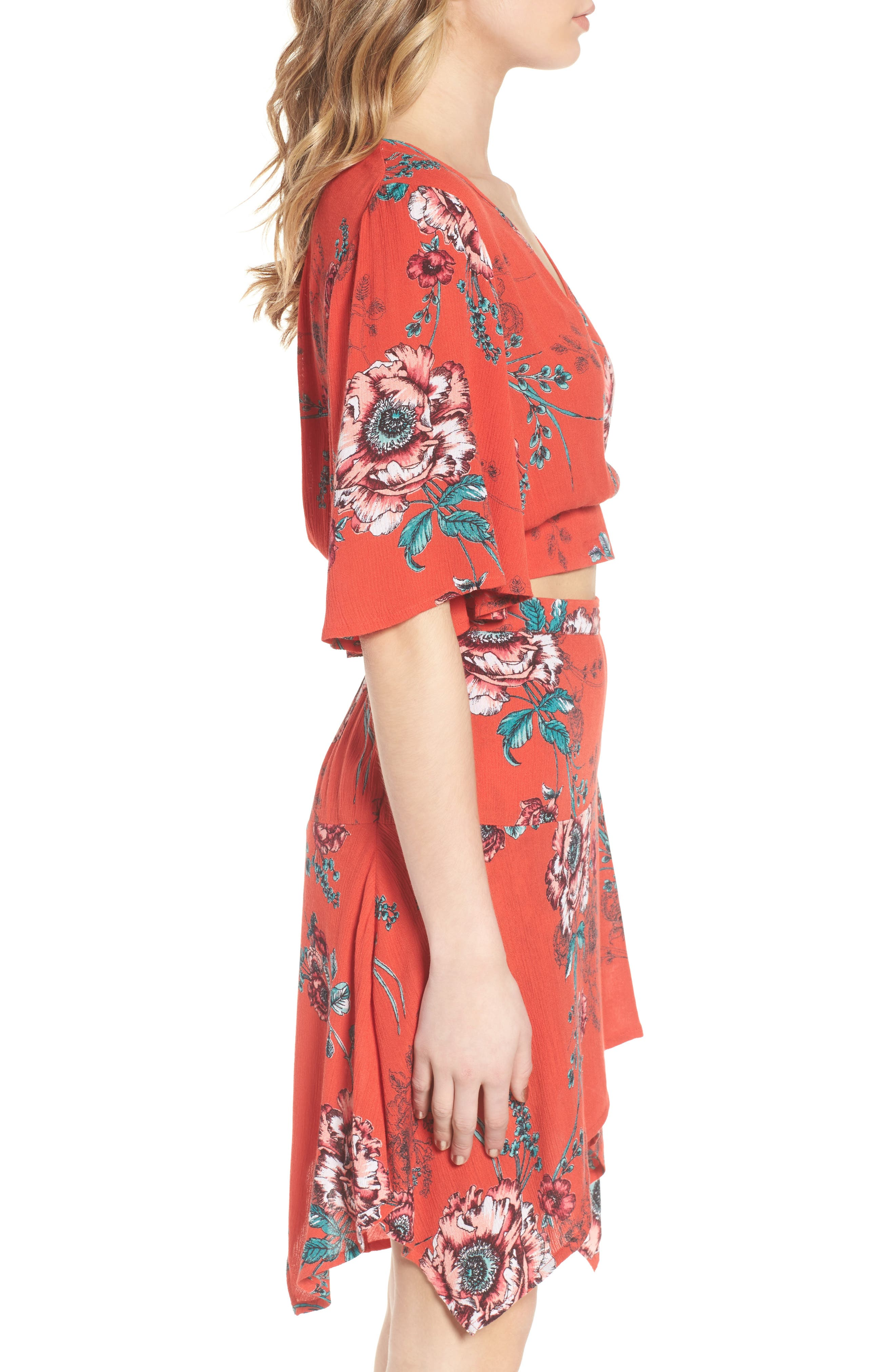 Shadow Floral Tie Back Crop Top,                             Alternate thumbnail 4, color,                             Red/ Peach