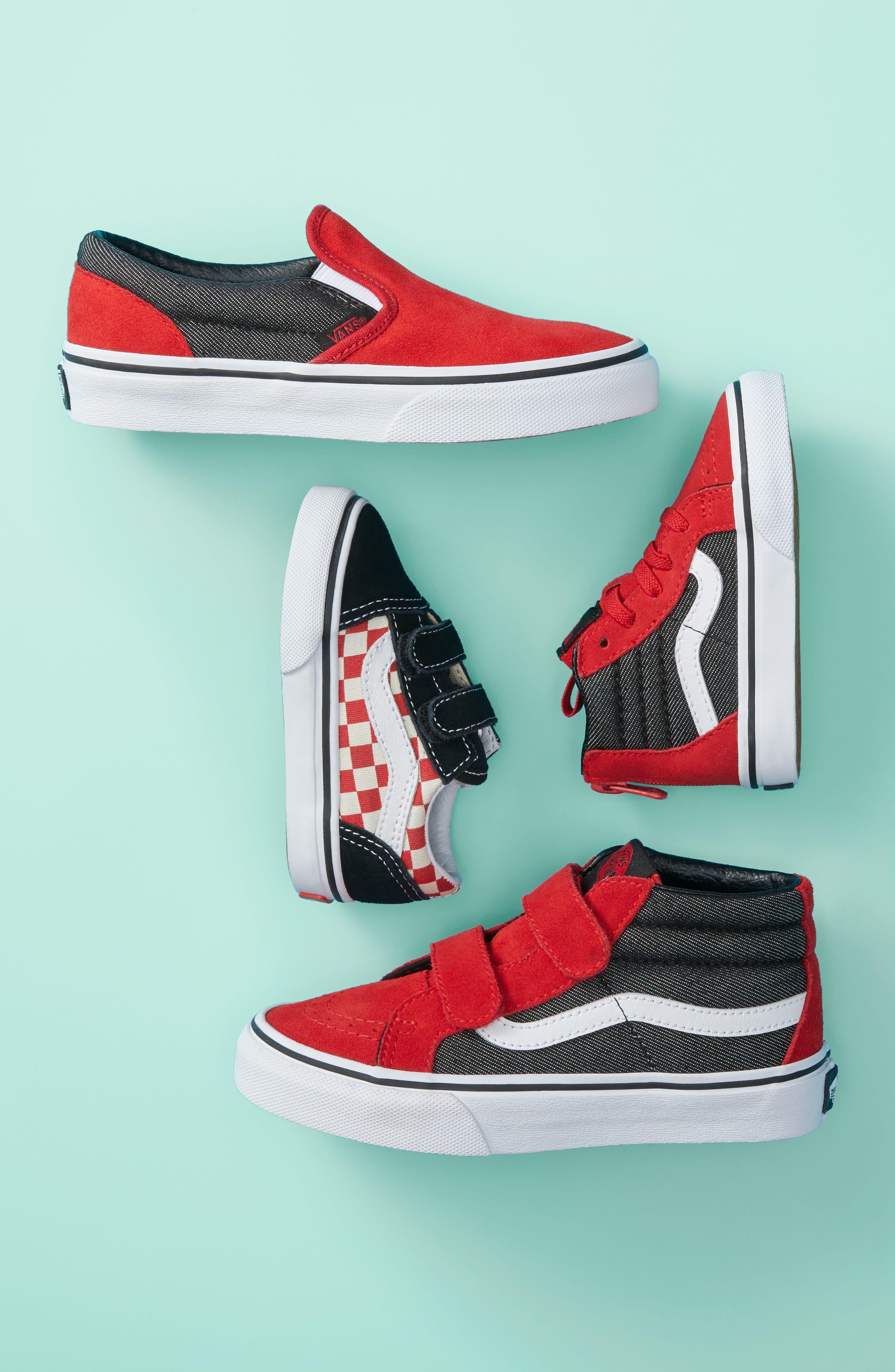 Old Skool V Sneaker,                             Alternate thumbnail 2, color,