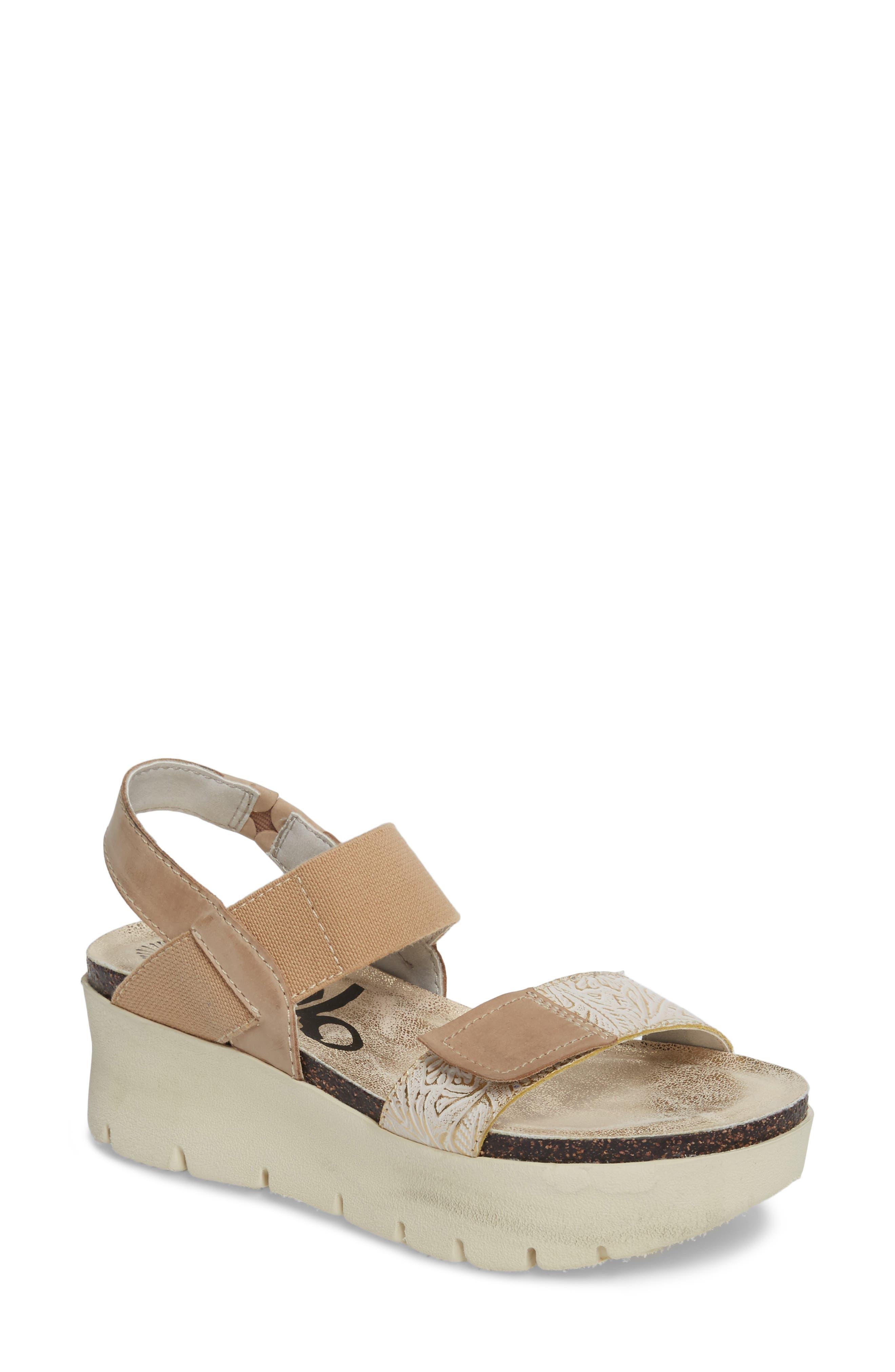 Main Image - OTBT Nova Platform Sandal (Women)