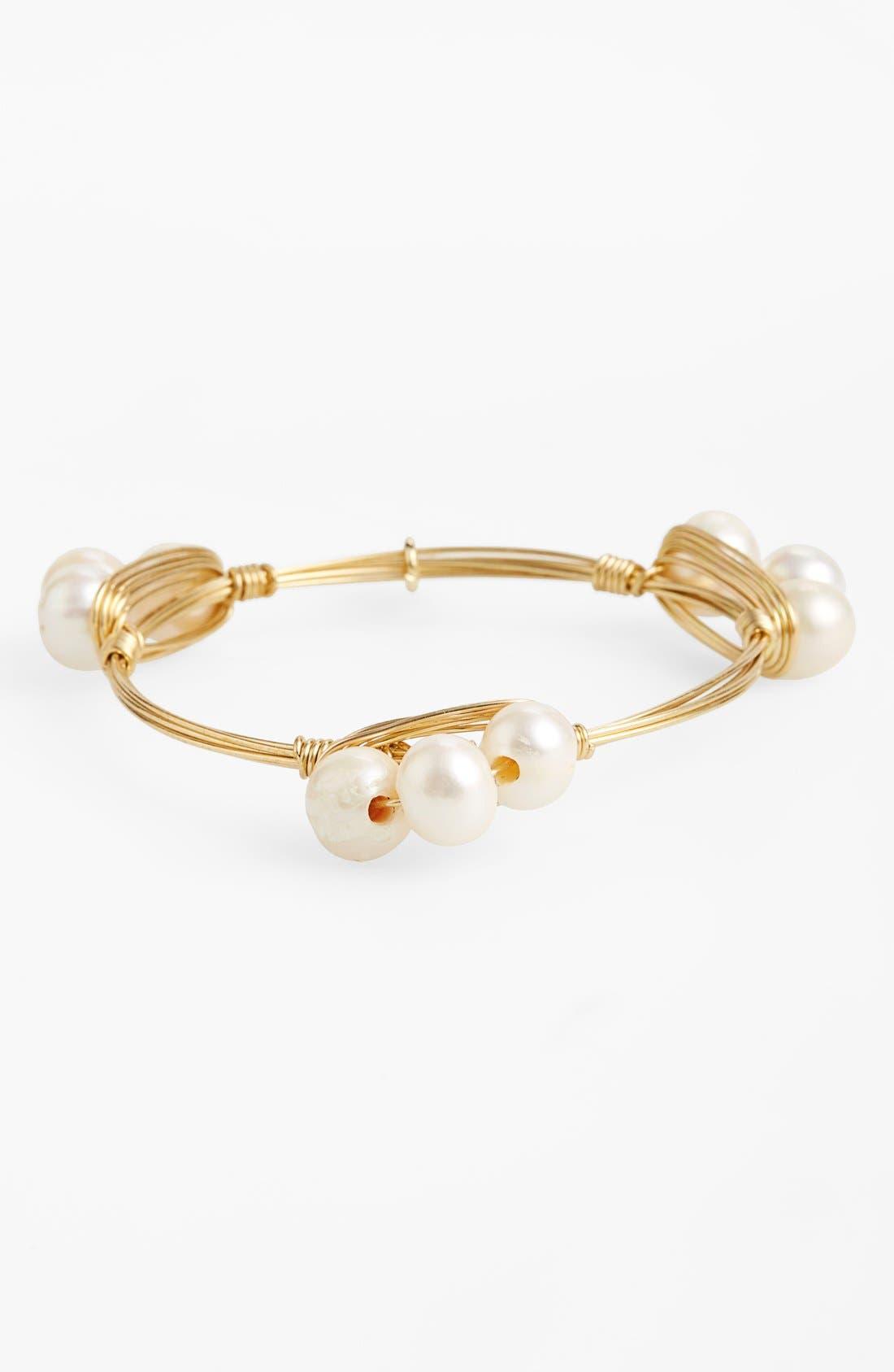 BOURBON AND BOWETIES Small Imitation Pearl Bracelet