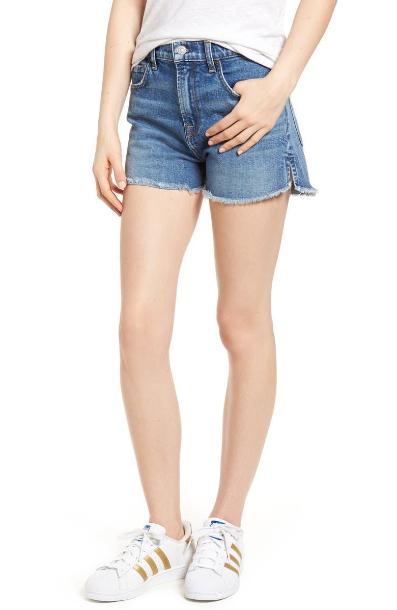 Cutoff Step Hem Denim Shorts