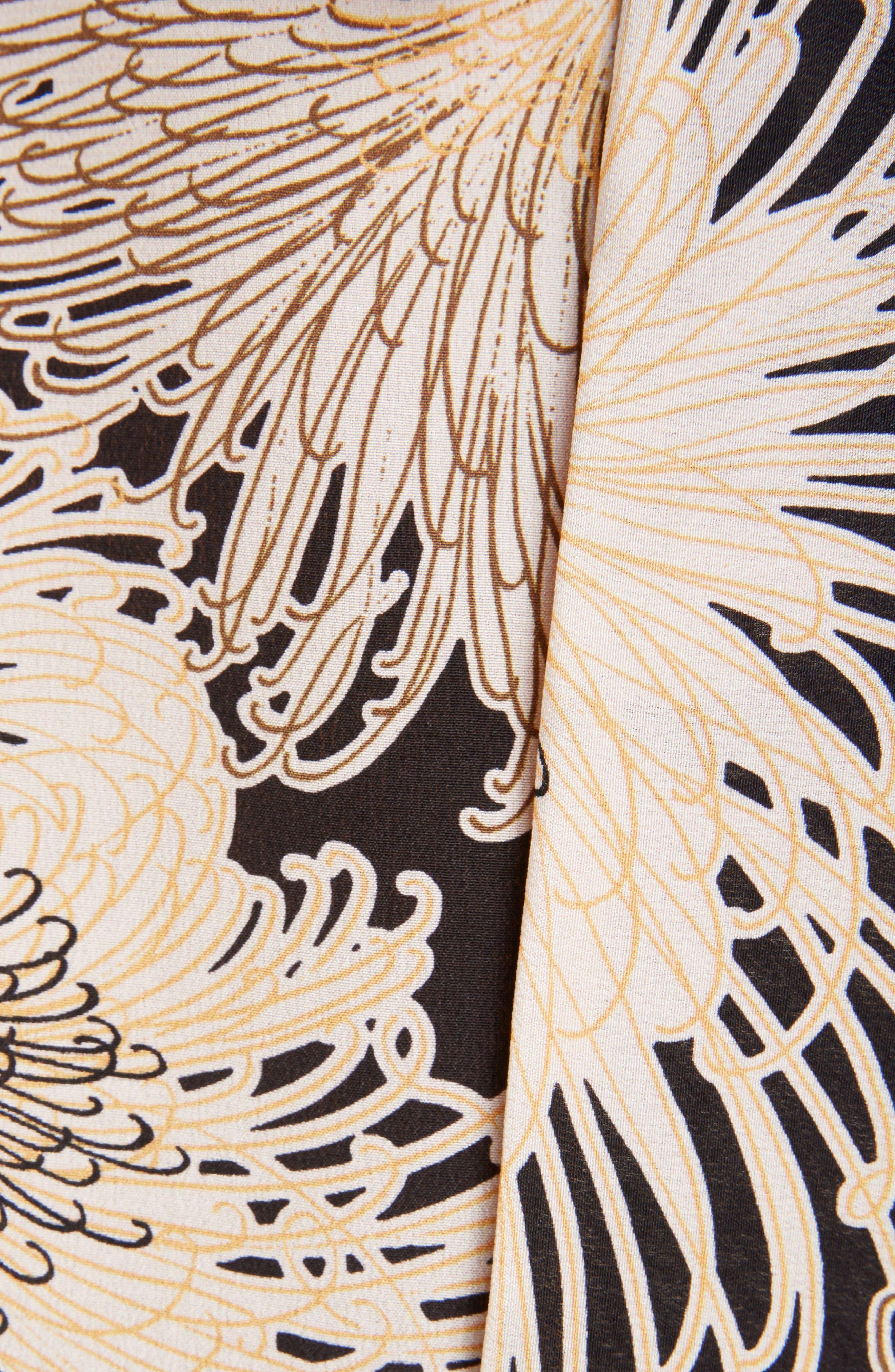 Nº21 Floral Print Tie Back Silk Top,                             Alternate thumbnail 5, color,                             Black