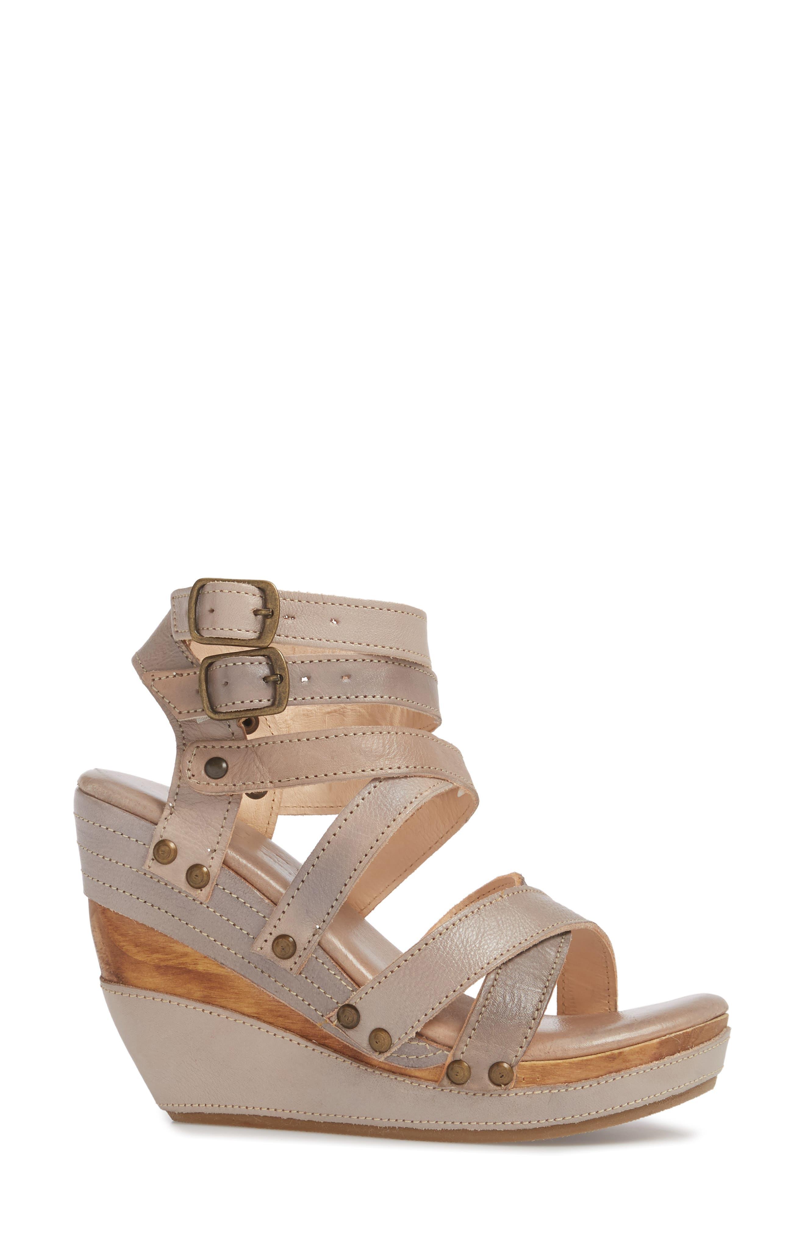'Juliana' Sandal,                             Alternate thumbnail 3, color,                             Light Grey Leather