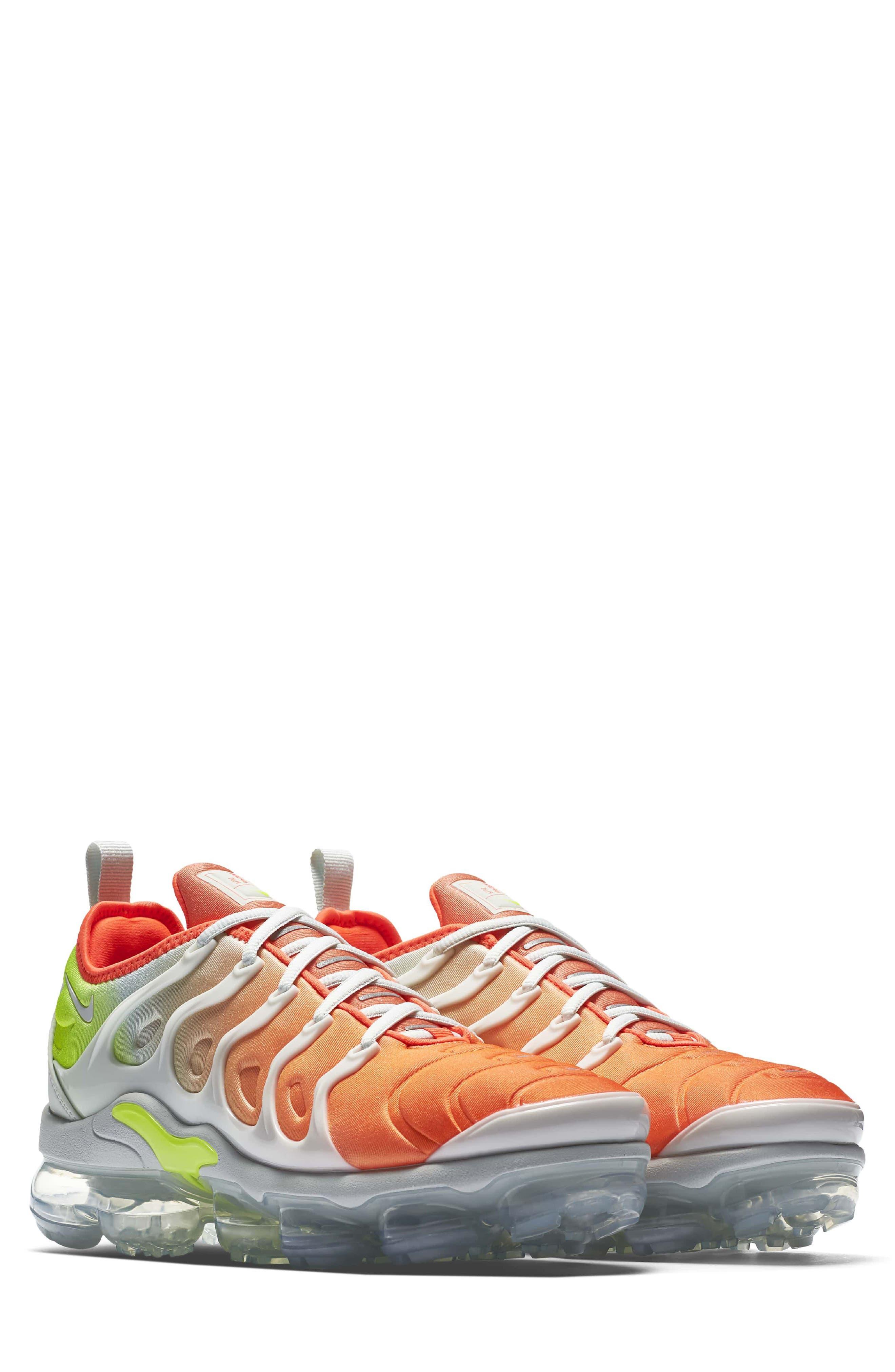 Nike Air VaporMax Plus (Women)