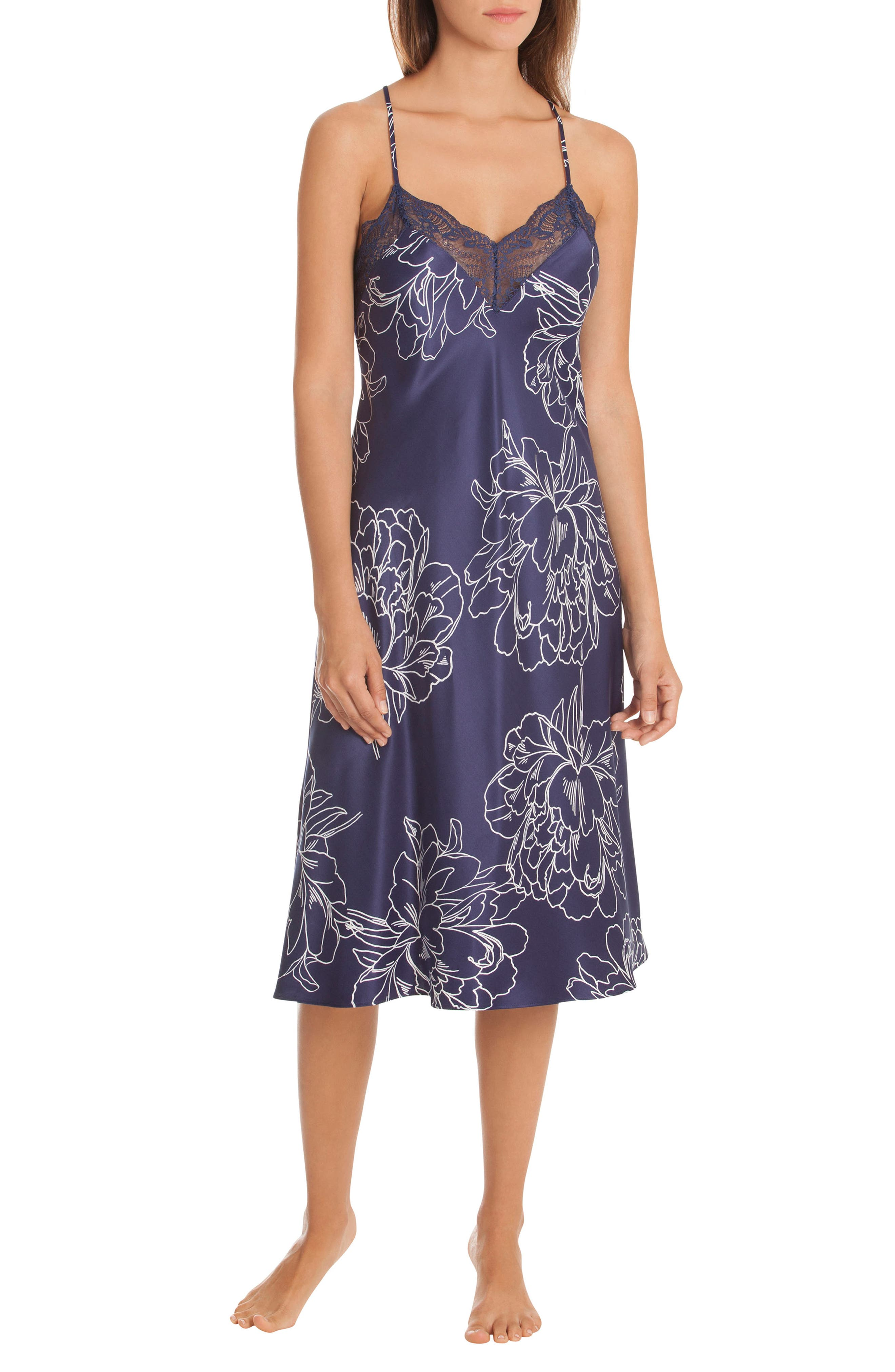 IN BLOOM BY JONQUIL ETCHED FLOWERS NIGHTGOWN