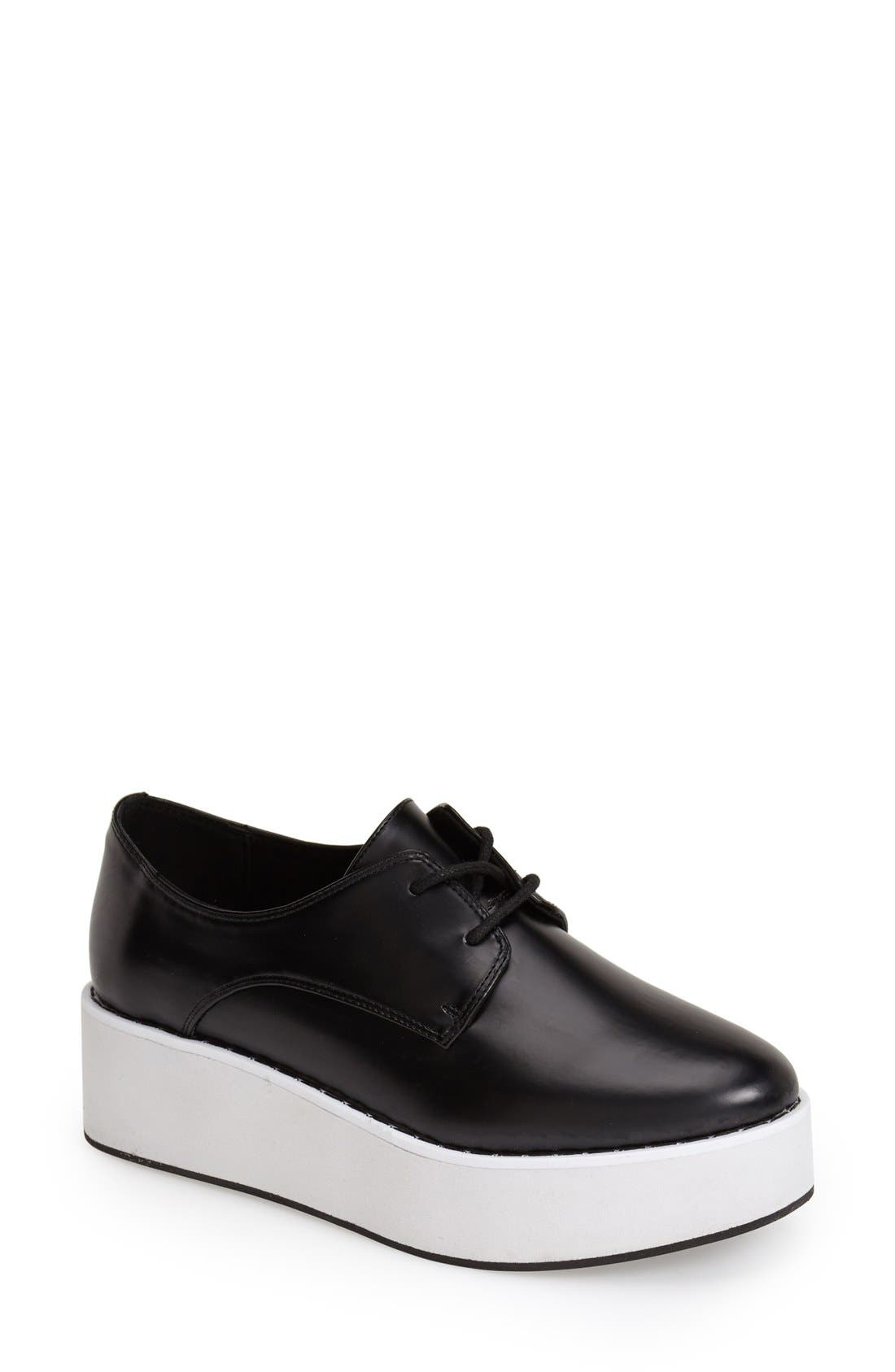Main Image - Topshop 'Kisser Eva' Platform Sneaker (Women)