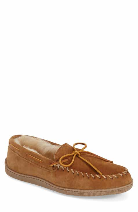 02ca13194db07 Minnetonka Genuine Shearling Moccasin Slipper (Men)