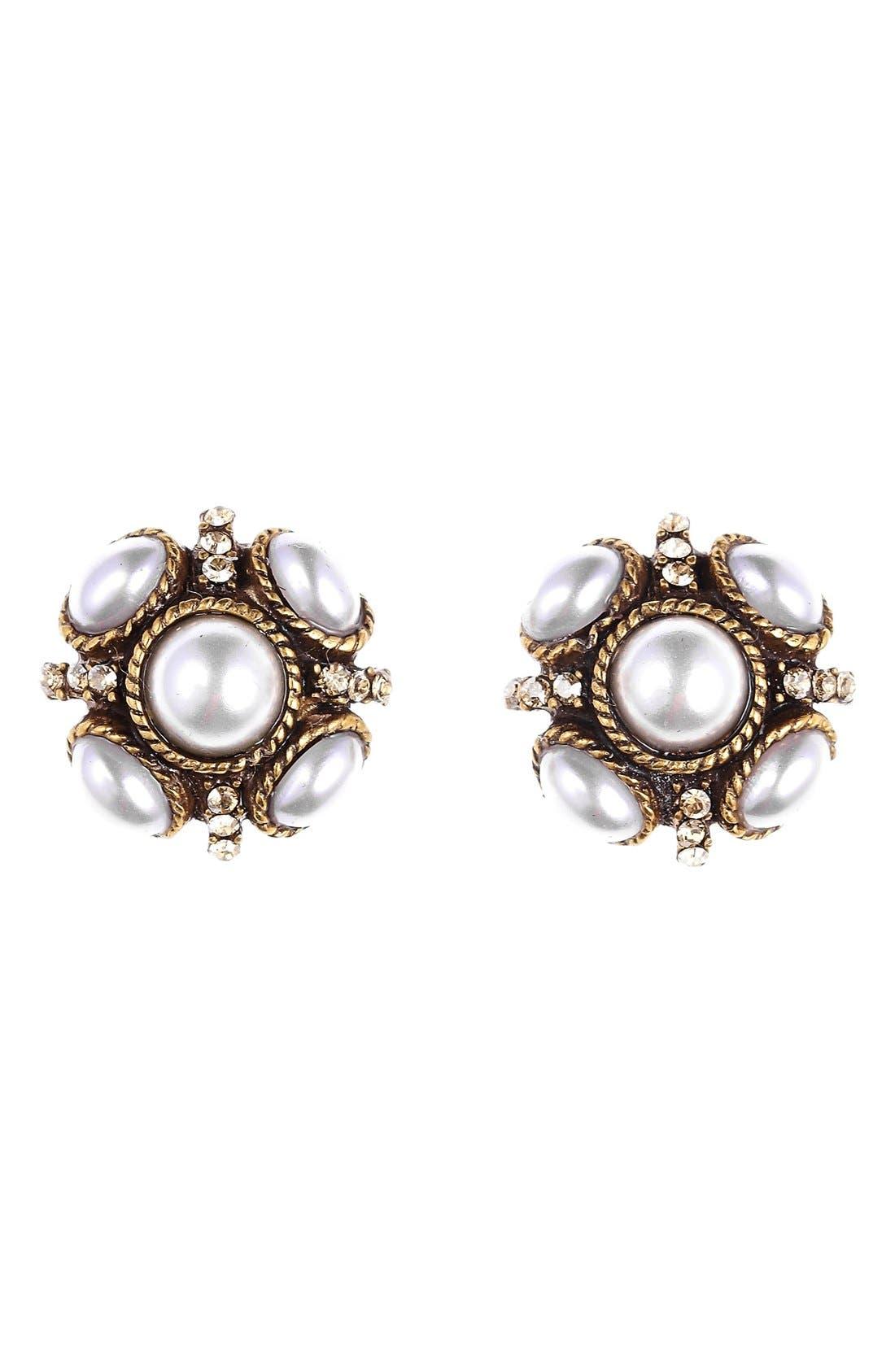 Alternate Image 1 Selected - Oscar de la Renta 'Classic Button' Stud Earrings