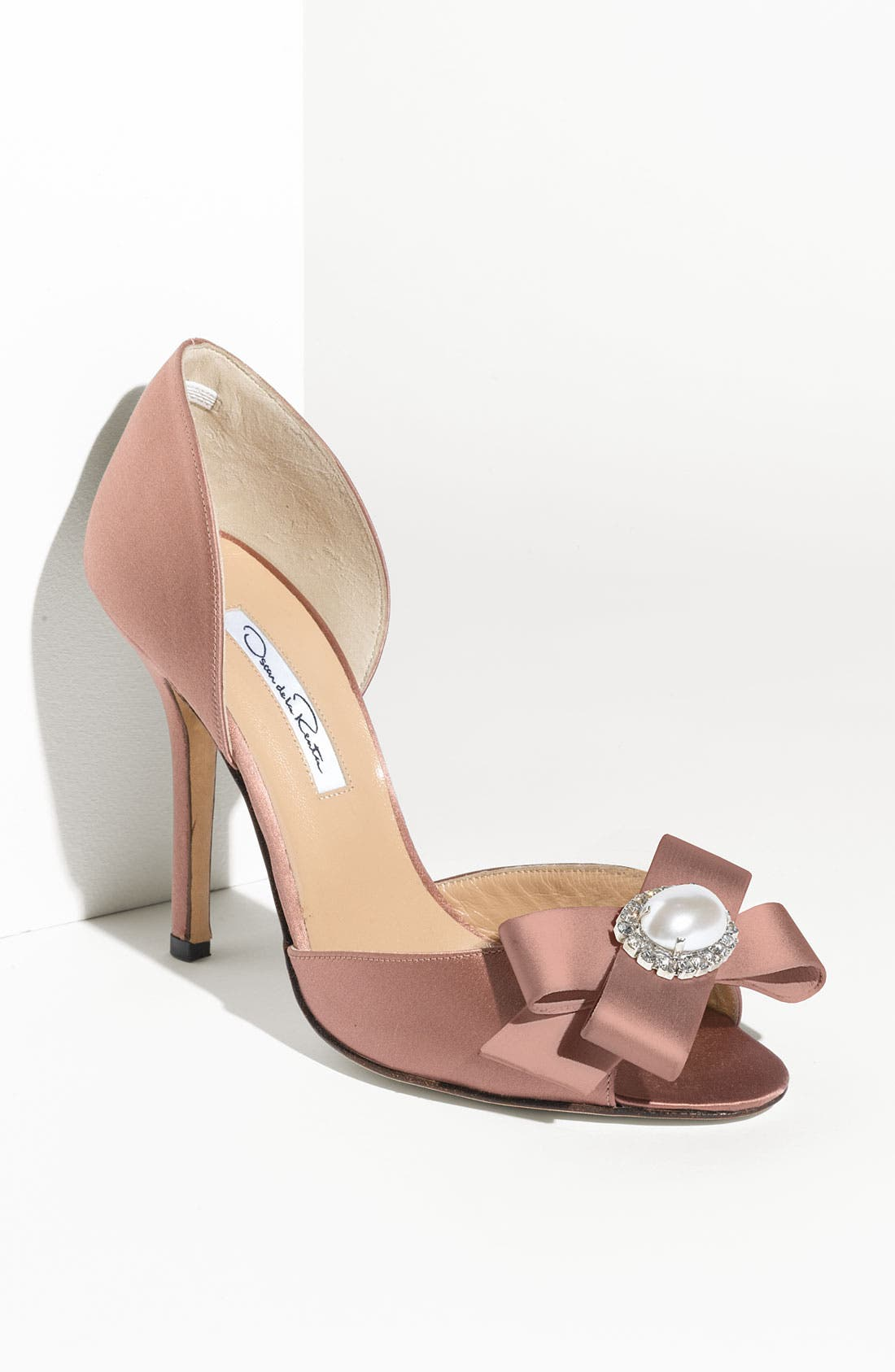 Alternate Image 1 Selected - Oscar de la Renta Satin Pump