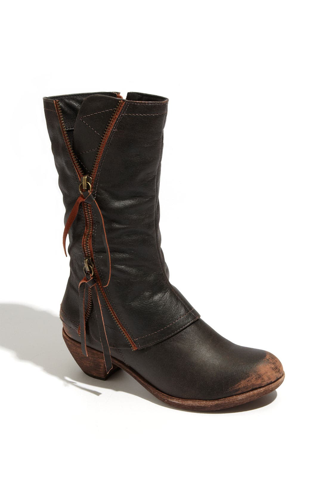 Main Image - Matisse 'Dove' Boot