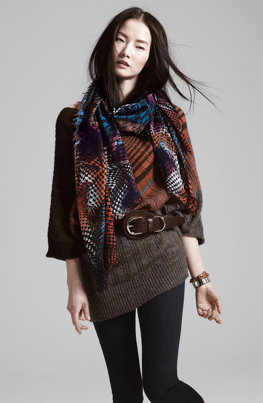 Alternate Image 3  - Halogen® Houndstooth Challis Scarf